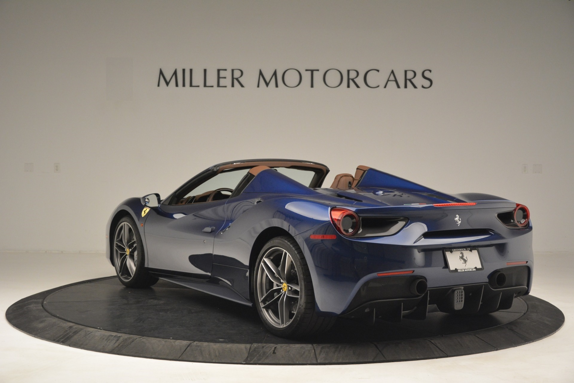 Used 2018 Ferrari 488 Spider  For Sale In Greenwich, CT 3045_p5