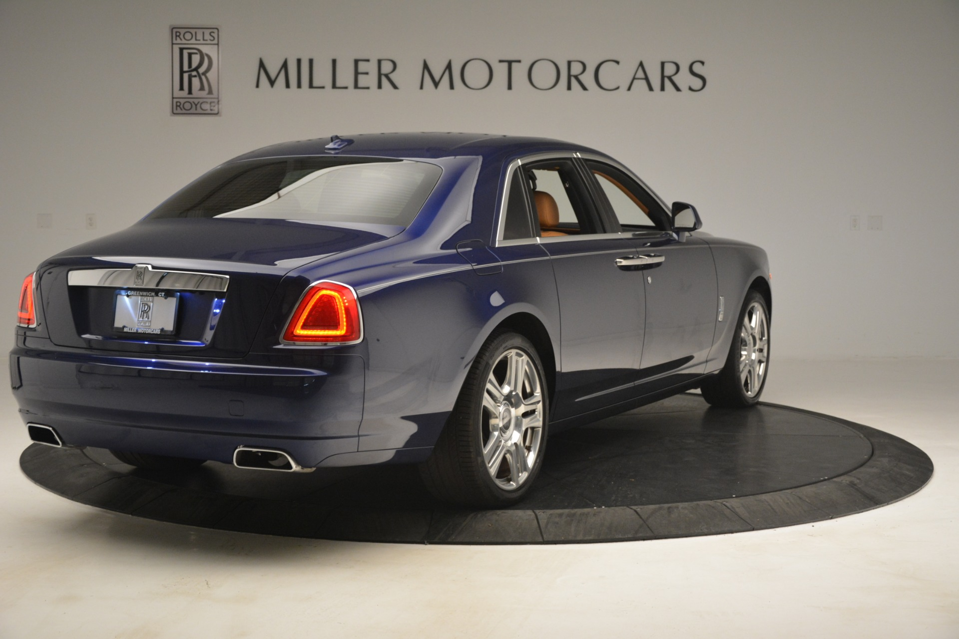 Used 2016 Rolls-Royce Ghost  For Sale In Greenwich, CT 3050_p10
