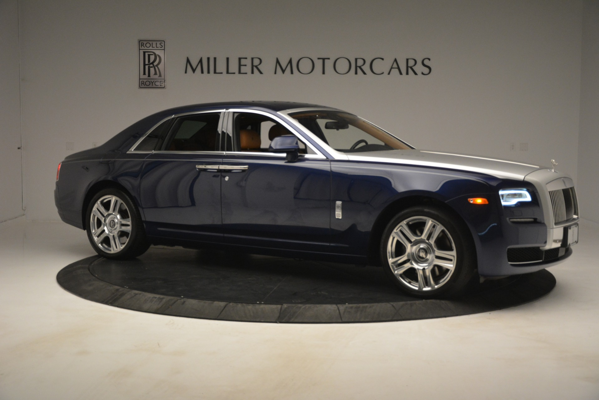 Used 2016 Rolls-Royce Ghost  For Sale In Greenwich, CT 3050_p13