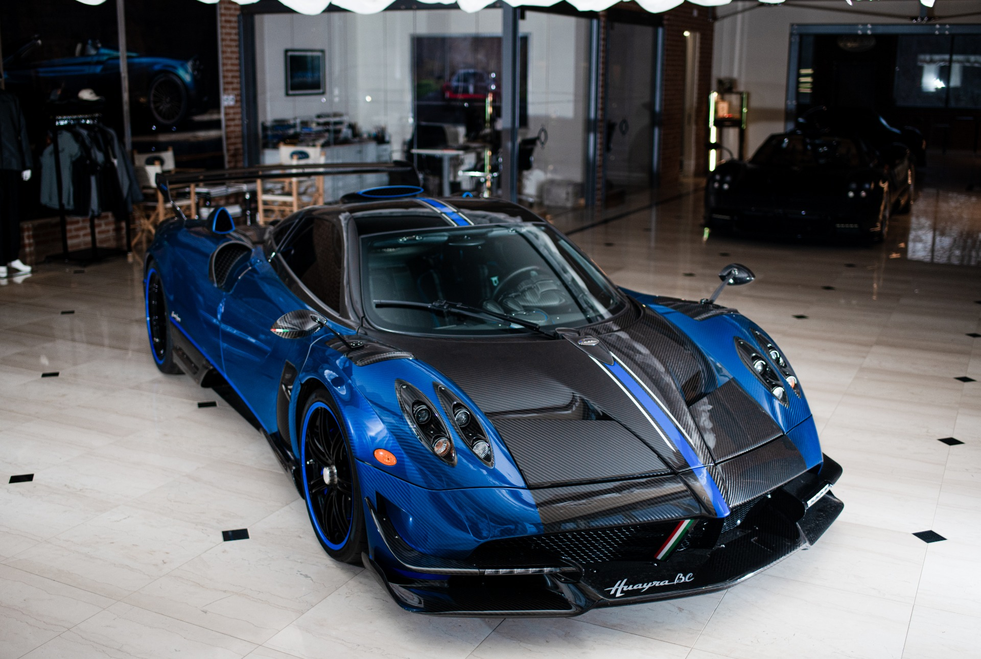 Used 2017 Pagani Huayra BC Macchina Volante For Sale In Greenwich, CT 3051_p2