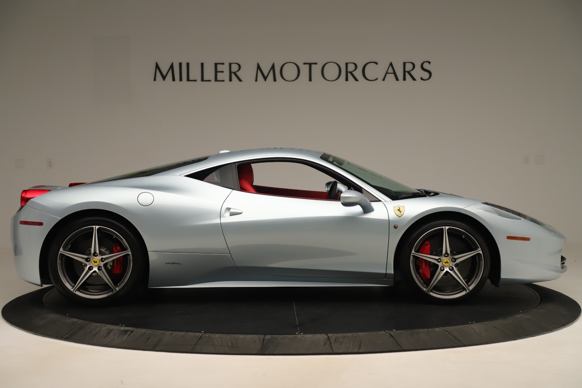 Used 2015 Ferrari 458 Italia  For Sale In Greenwich, CT 3052_p9