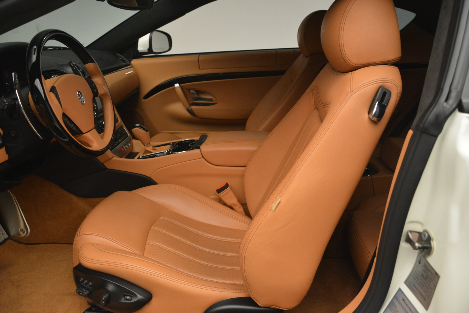 Used 2011 Maserati GranTurismo S Automatic For Sale In Greenwich, CT 3061_p14