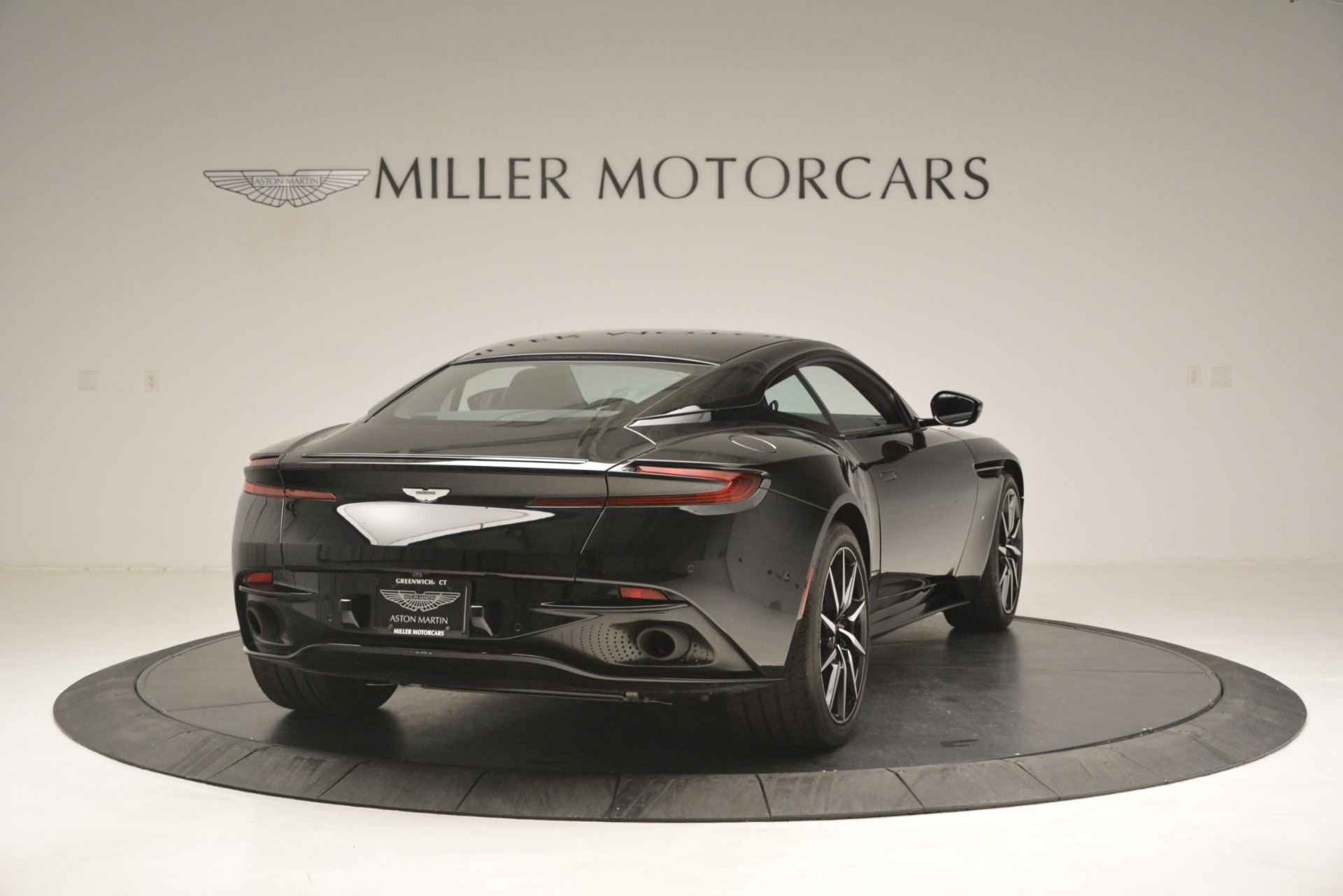 Used 2017 Aston Martin DB11 V12 Coupe For Sale In Greenwich, CT 3064_p7