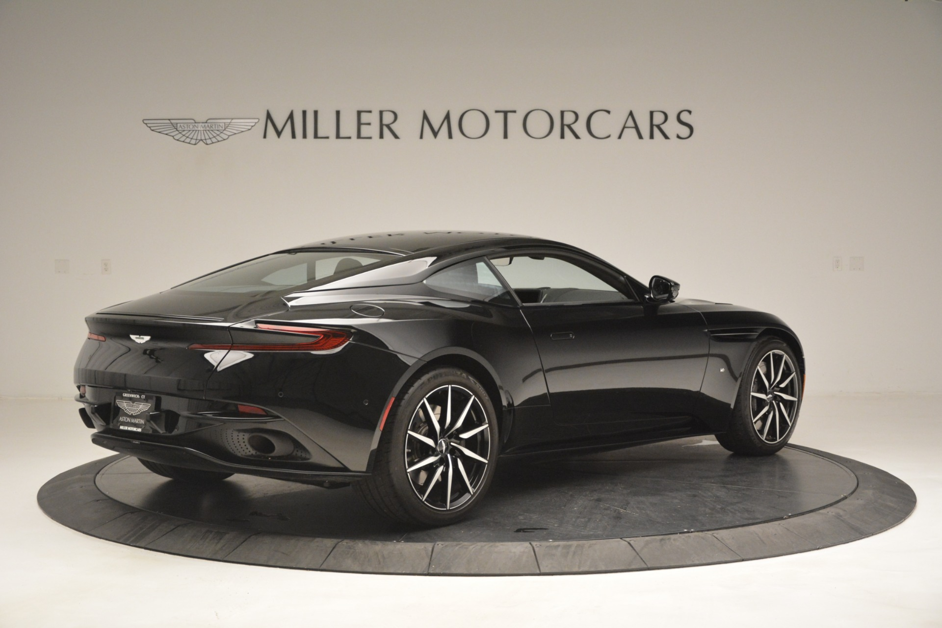 Used 2017 Aston Martin DB11 V12 Coupe For Sale In Greenwich, CT 3064_p8