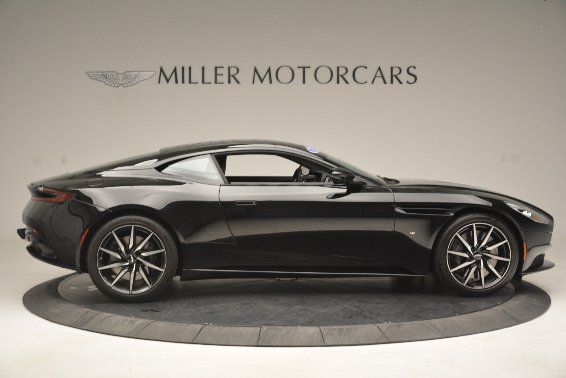 Used 2017 Aston Martin DB11 V12 Coupe For Sale In Greenwich, CT 3064_p9