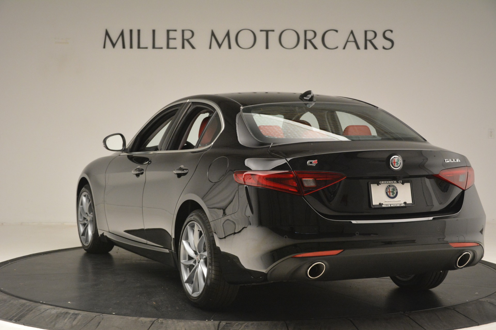 New 2019 Alfa Romeo Giulia Q4 For Sale In Greenwich, CT 3069_p5