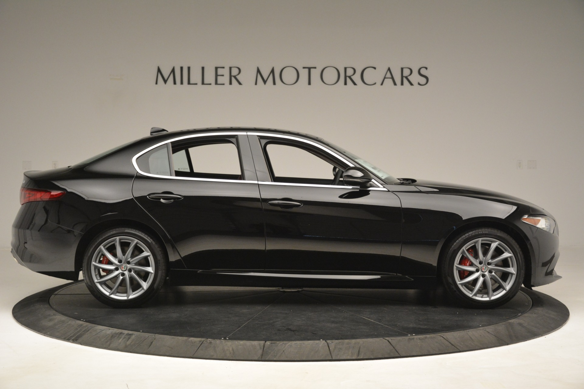 New 2019 Alfa Romeo Giulia Q4 For Sale In Greenwich, CT 3069_p9
