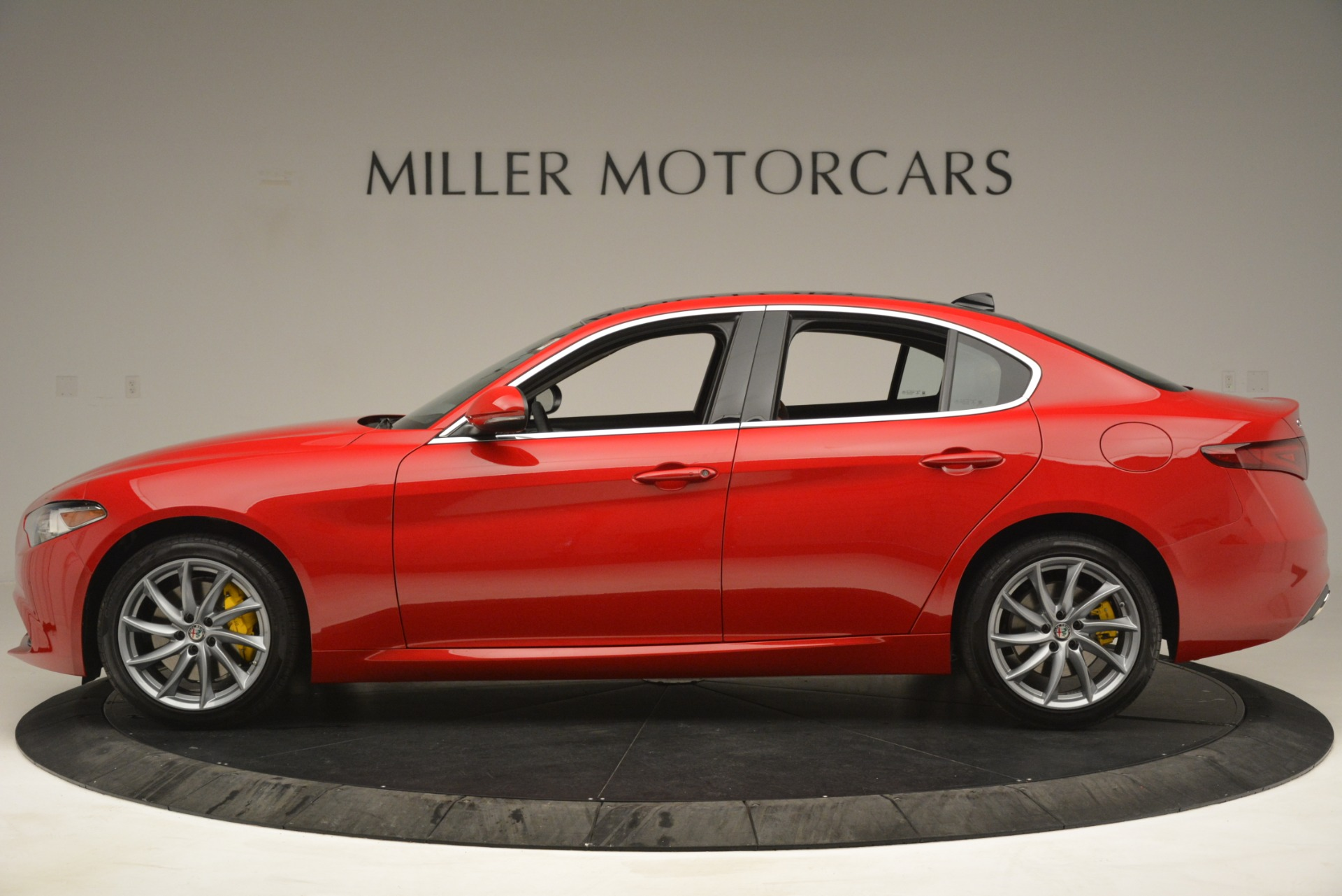 New 2019 Alfa Romeo Giulia Q4 For Sale In Greenwich, CT 3070_p3