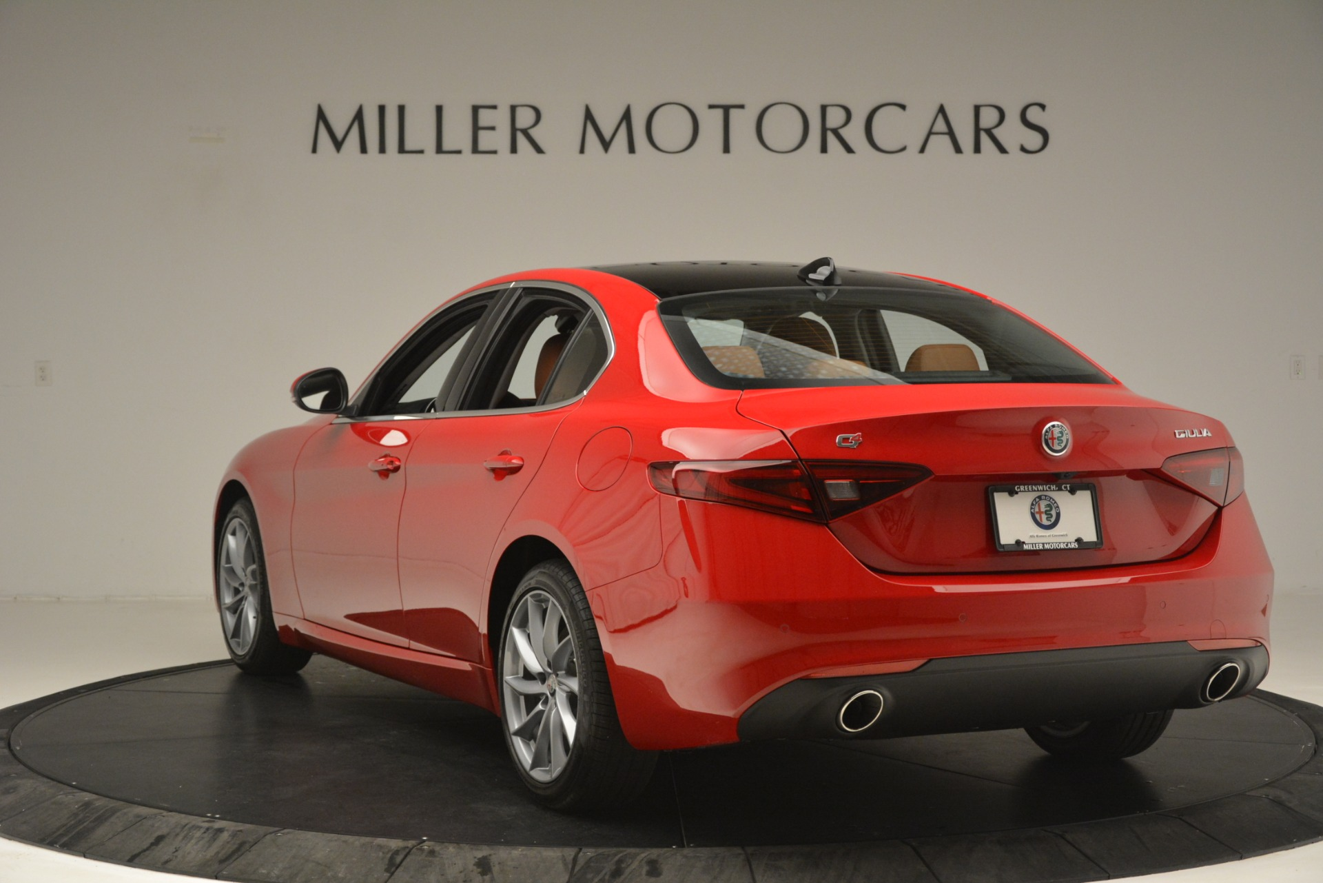 New 2019 Alfa Romeo Giulia Q4 For Sale In Greenwich, CT 3070_p5