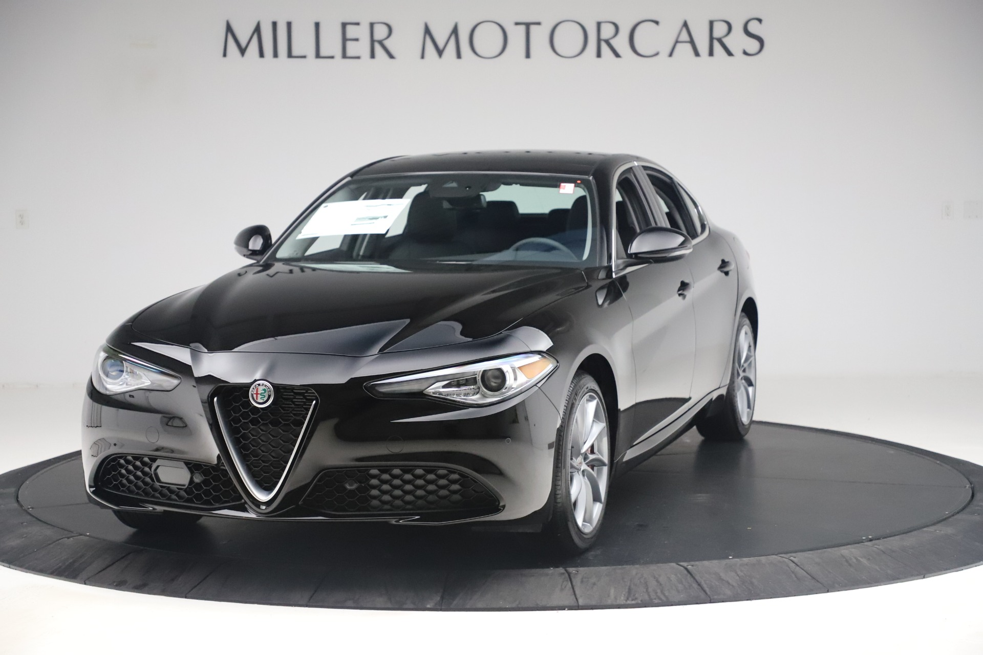 New 2019 Alfa Romeo Giulia Q4 For Sale In Greenwich, CT 3072_main