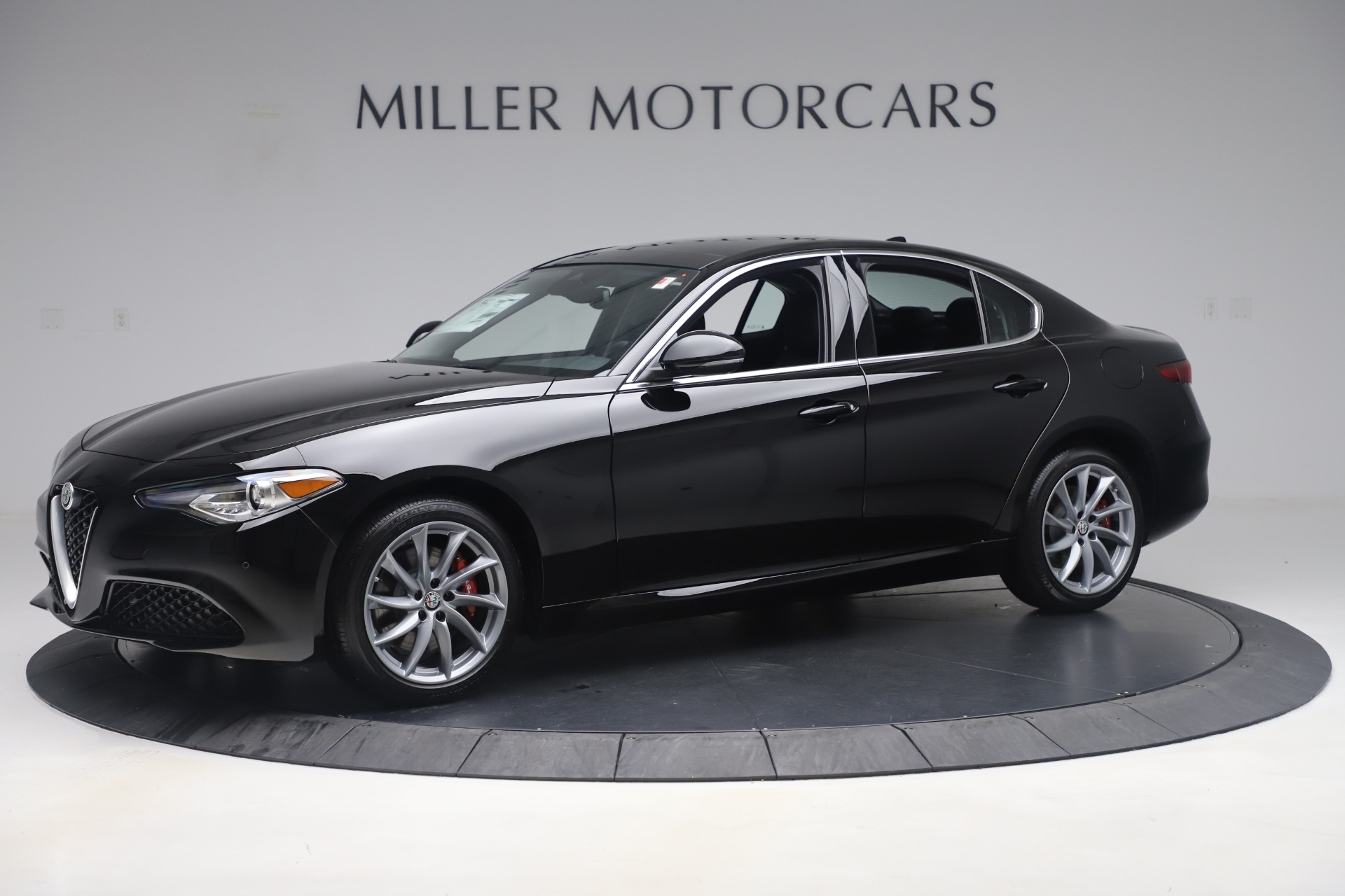 New 2019 Alfa Romeo Giulia Q4 For Sale In Greenwich, CT 3072_p2