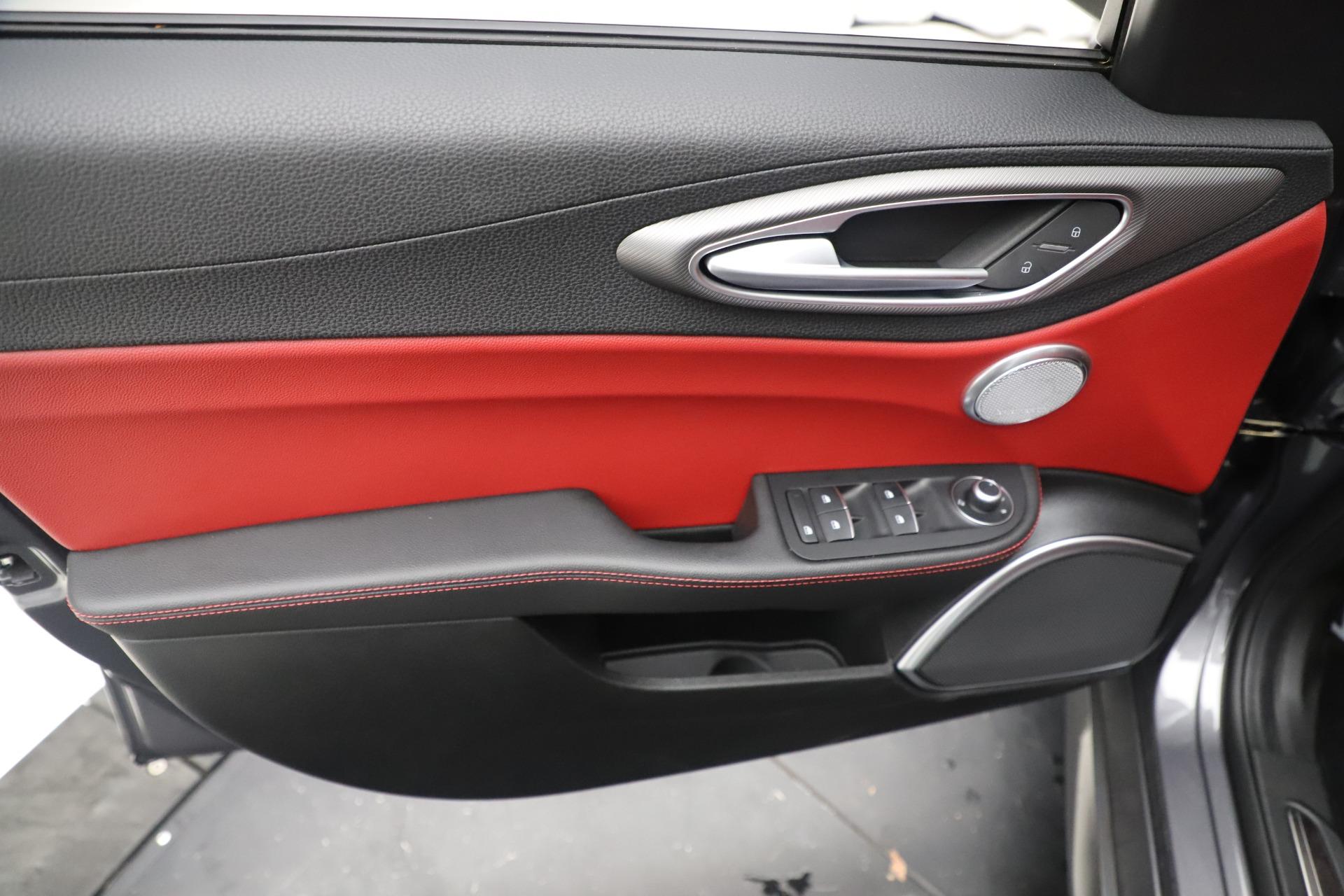 New 2019 Alfa Romeo Giulia Ti Sport Q4 For Sale In Greenwich, CT 3074_p17