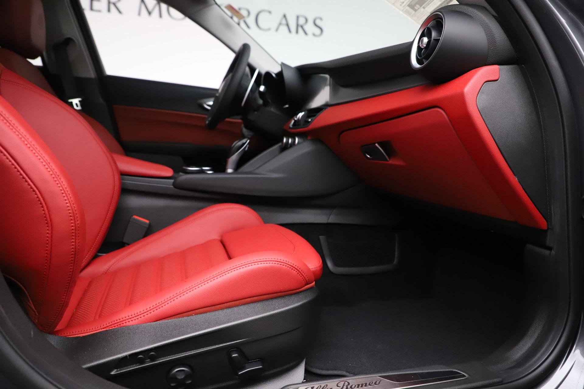 New 2019 Alfa Romeo Giulia Ti Sport Q4 For Sale In Greenwich, CT 3074_p23