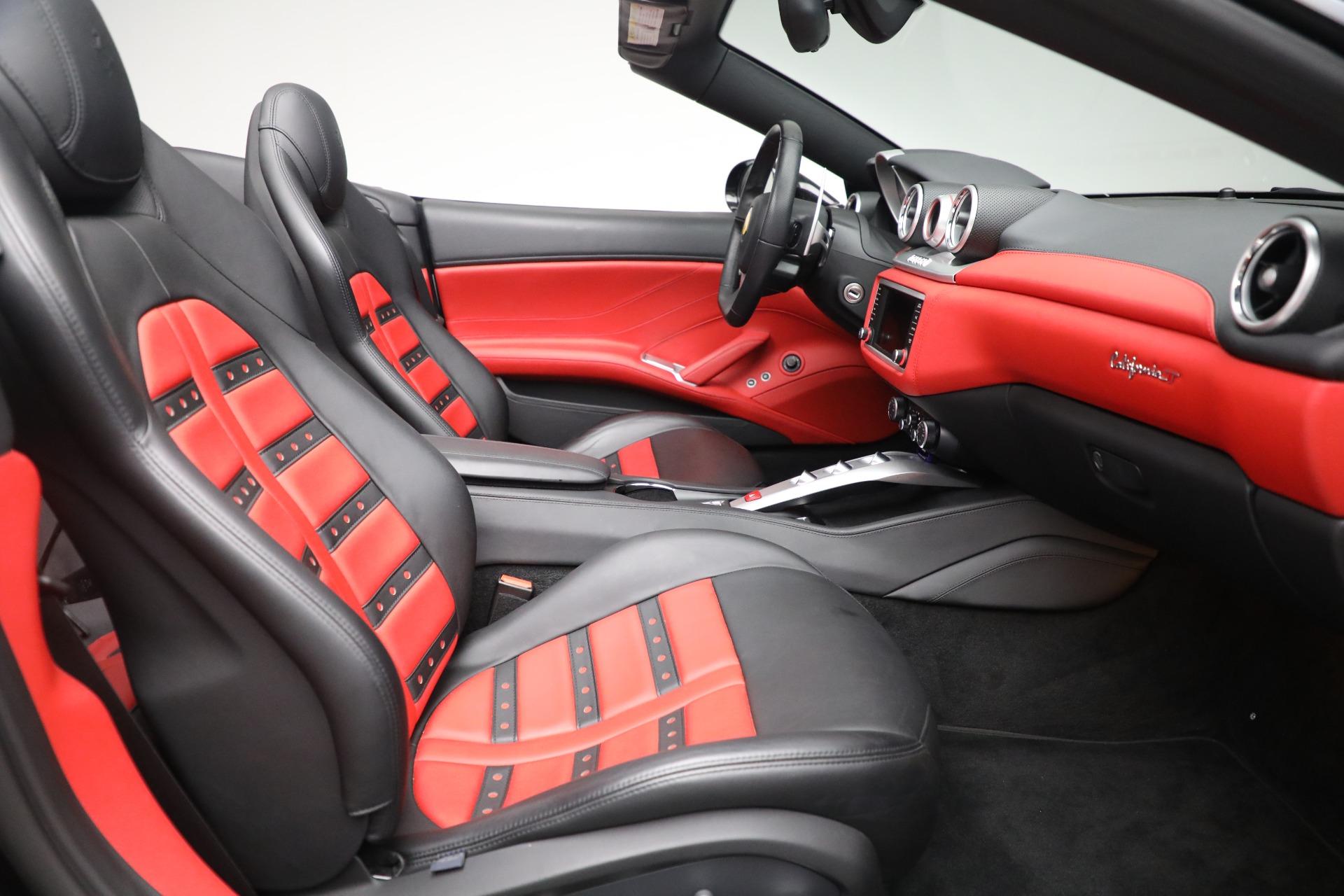 Used 2016 Ferrari California T  For Sale In Greenwich, CT 3082_p23