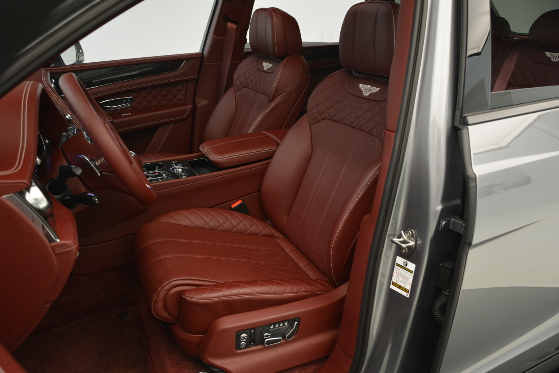 Used 2019 Bentley Bentayga V8 For Sale In Greenwich, CT 3084_p24