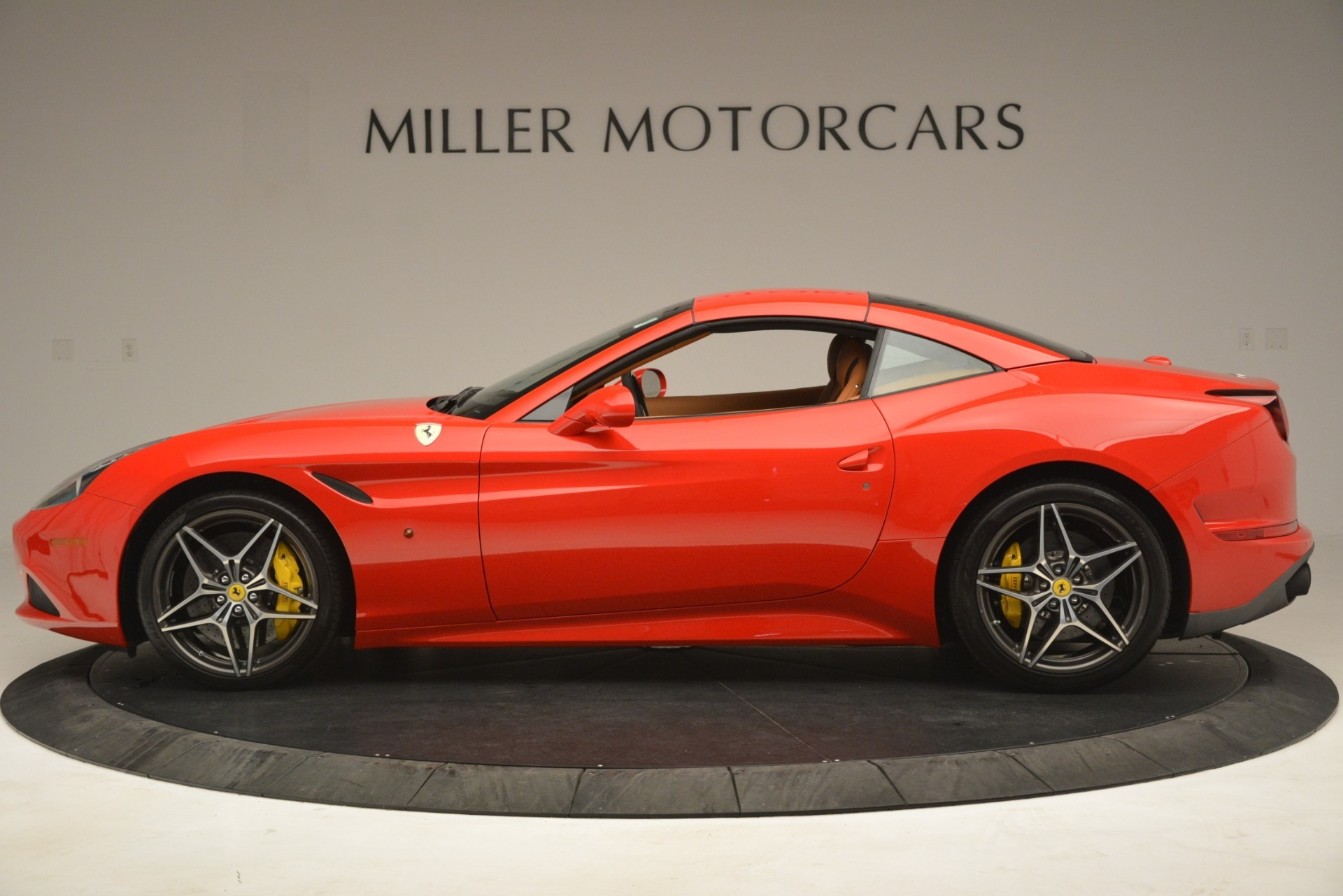 Used 2017 Ferrari California T Handling Speciale For Sale In Greenwich, CT 3086_p14