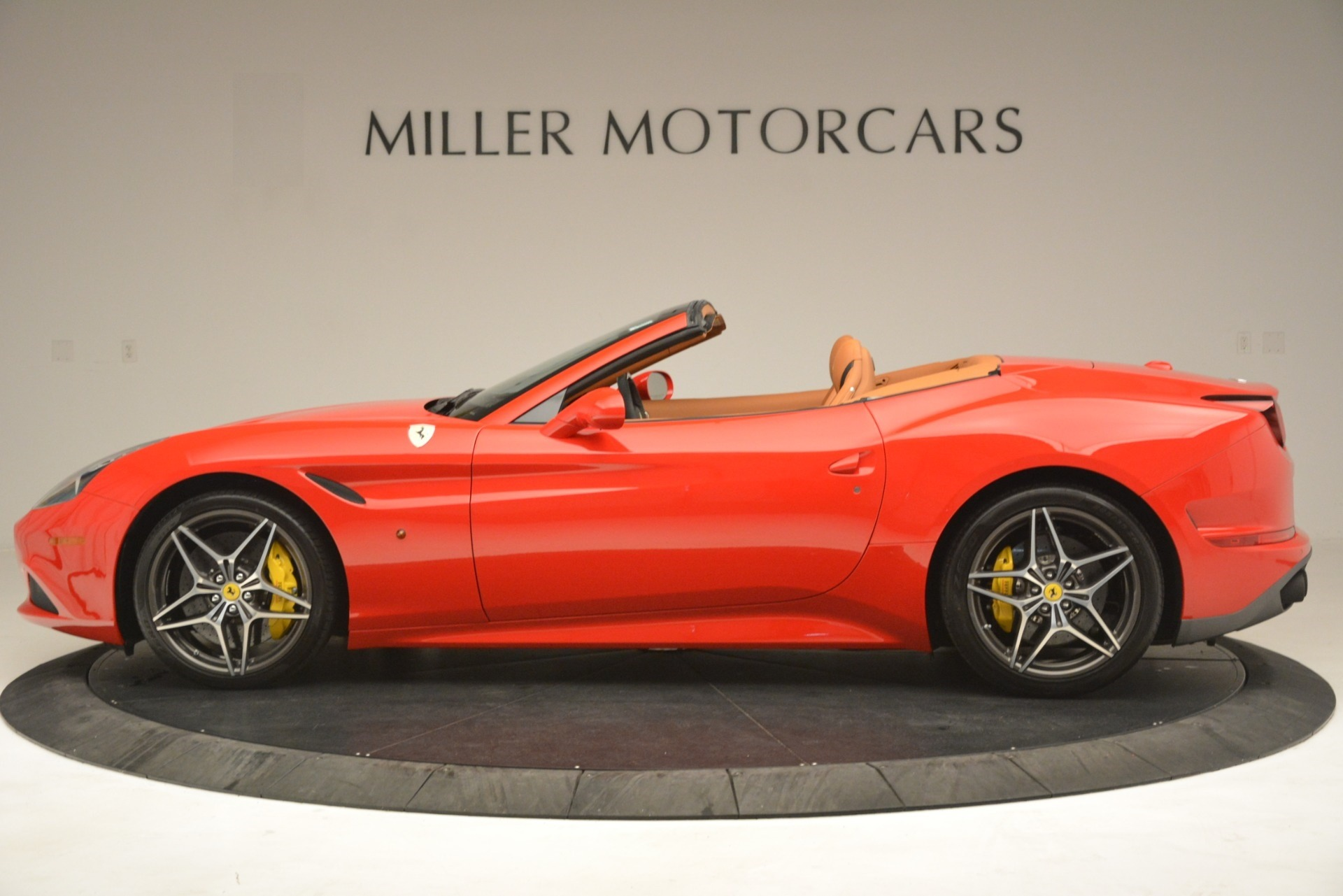 Used 2017 Ferrari California T Handling Speciale For Sale In Greenwich, CT 3086_p3