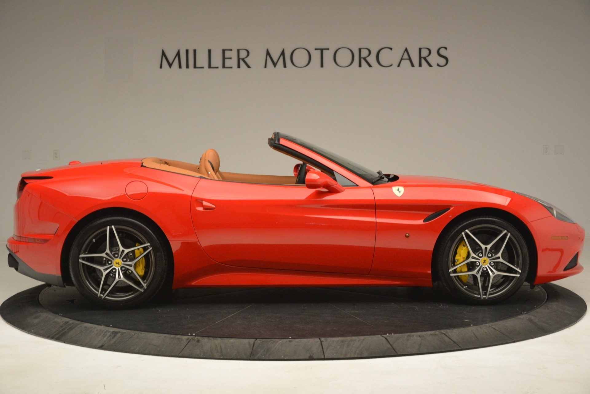 Used 2017 Ferrari California T Handling Speciale For Sale In Greenwich, CT 3086_p9