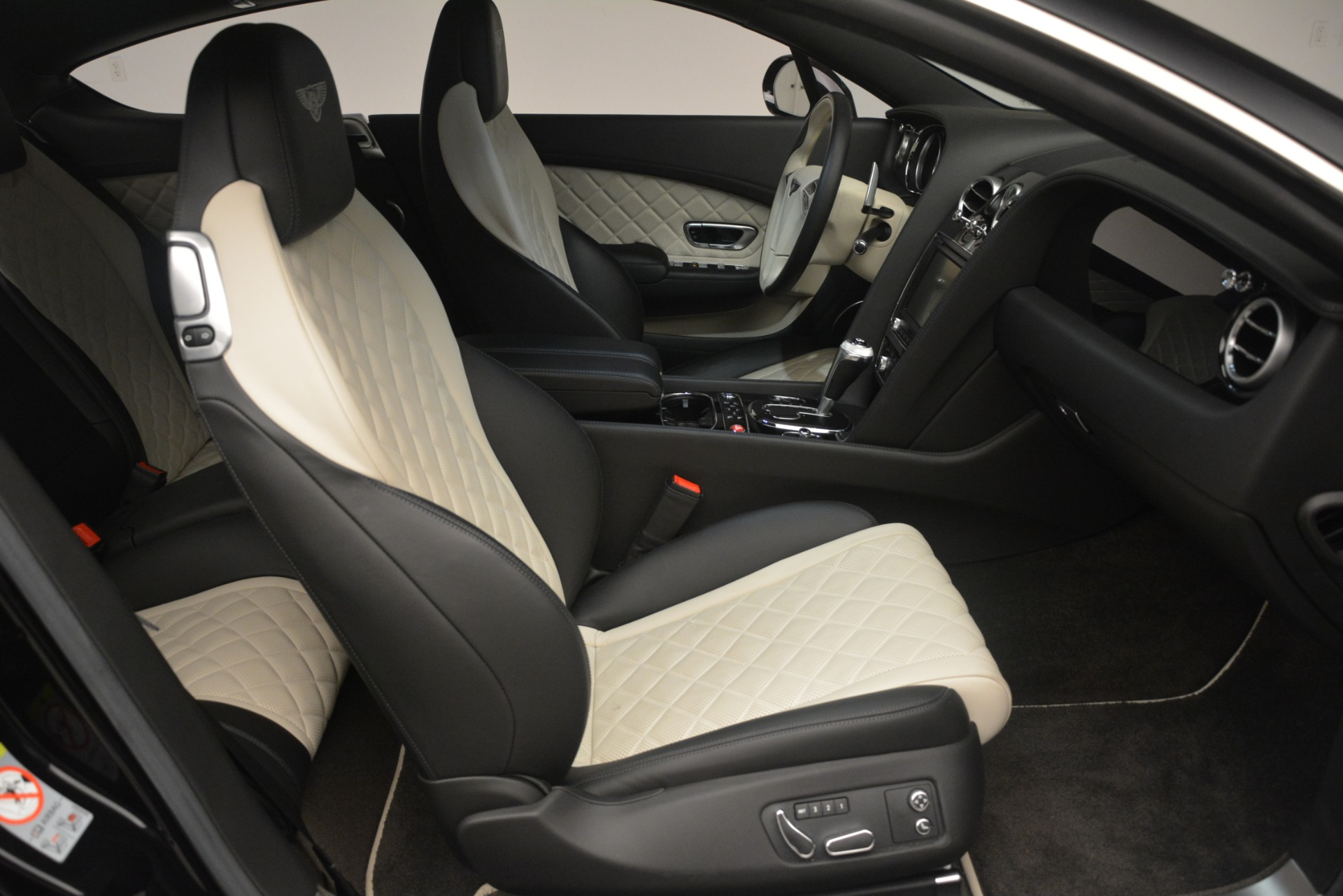 Used 2016 Bentley Continental GT V8 S For Sale In Greenwich, CT 3088_p26