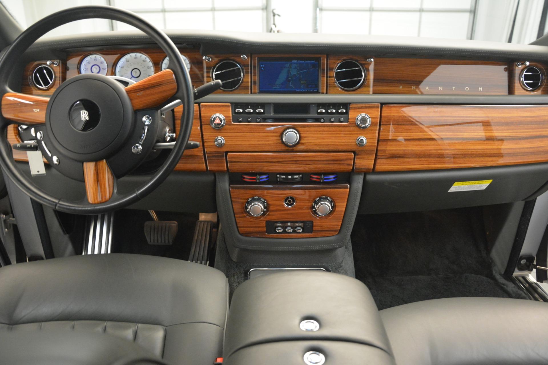 Used 2007 Rolls-Royce Phantom  For Sale In Greenwich, CT 3089_p23