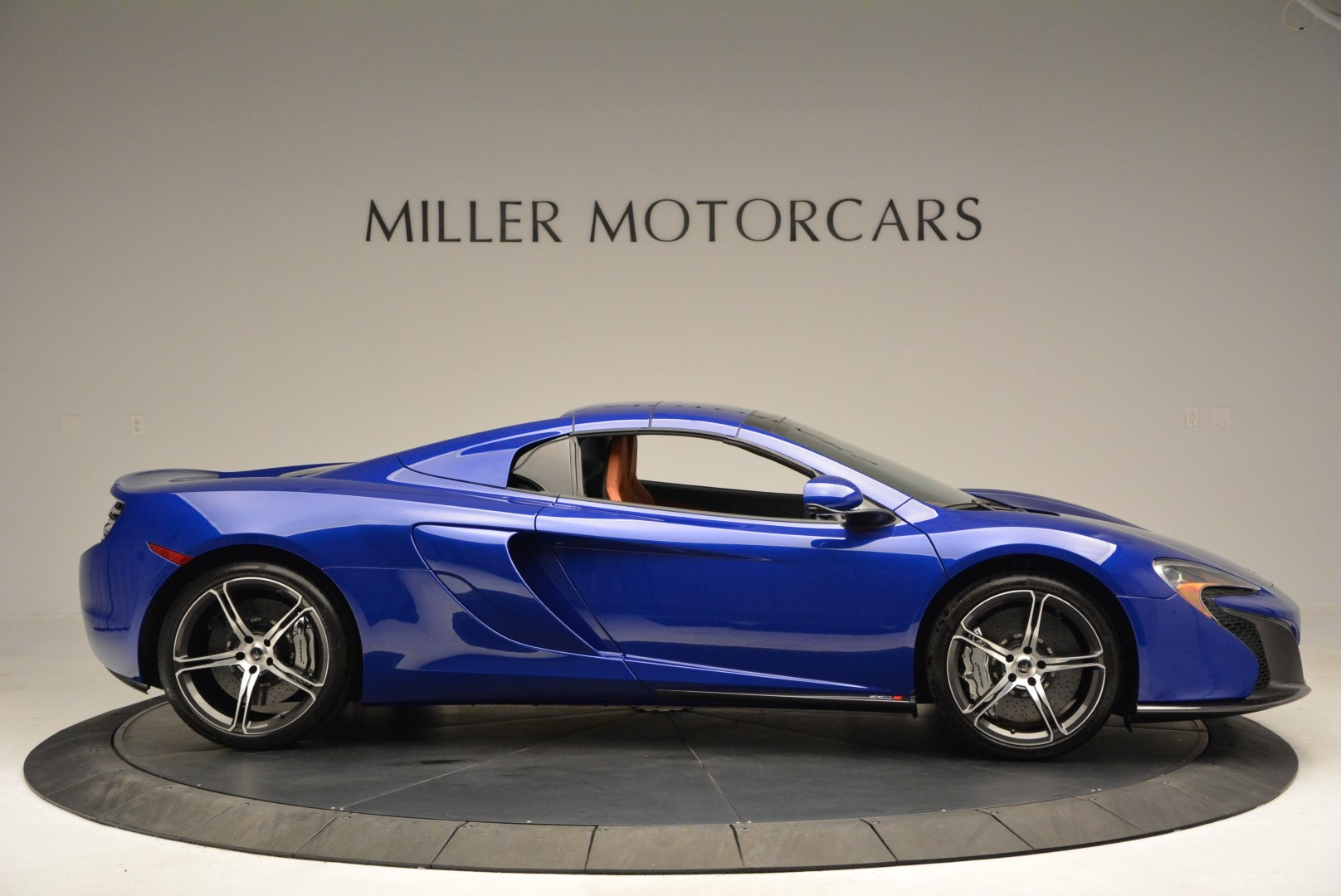 Used 2015 McLaren 650S Spider Convertible For Sale In Greenwich, CT 3112_p19