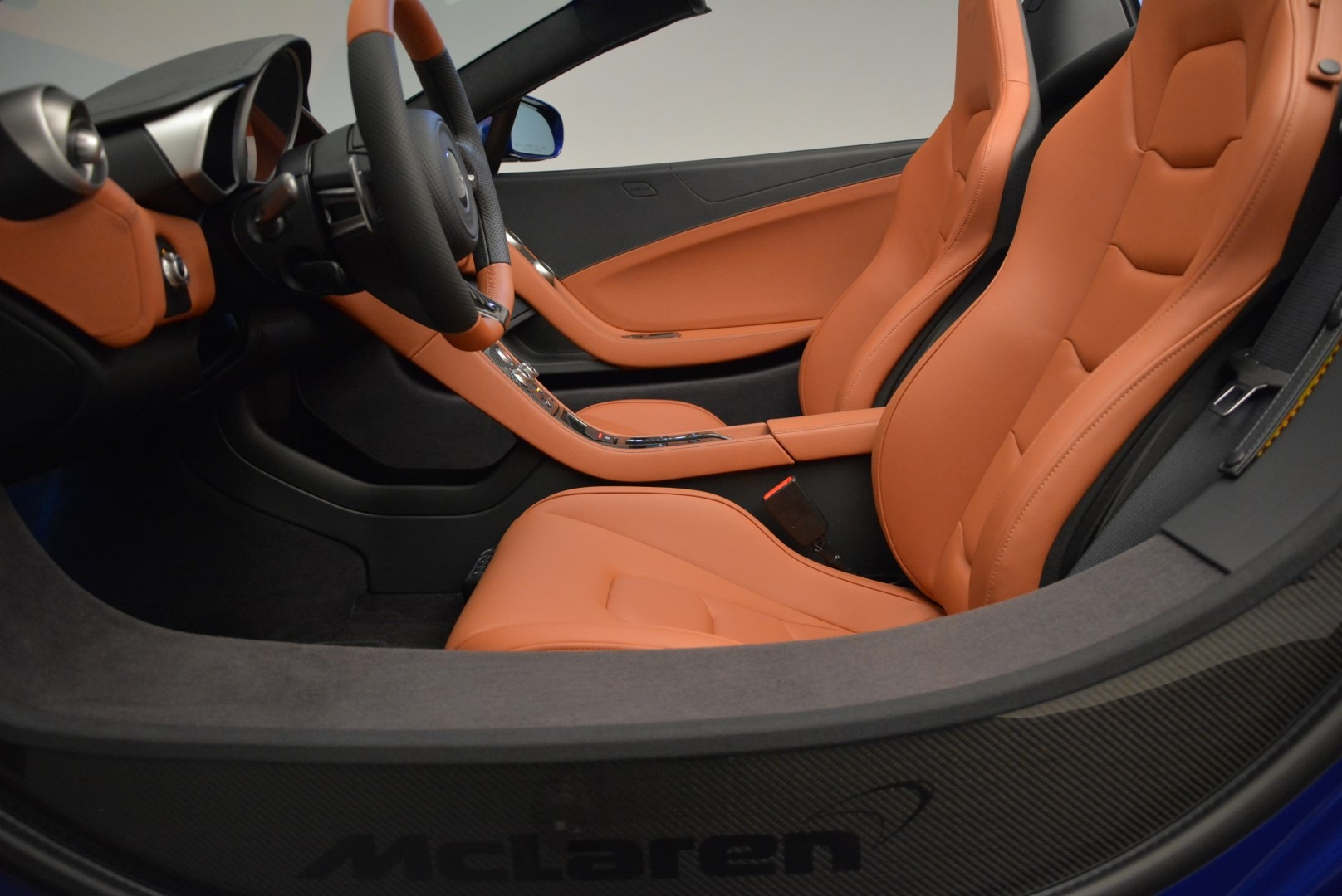Used 2015 McLaren 650S Spider Convertible For Sale In Greenwich, CT 3112_p23