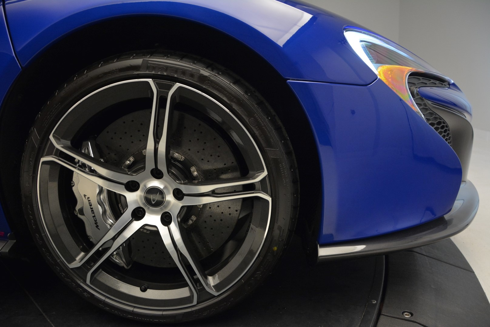 Used 2015 McLaren 650S Spider Convertible For Sale In Greenwich, CT 3112_p28