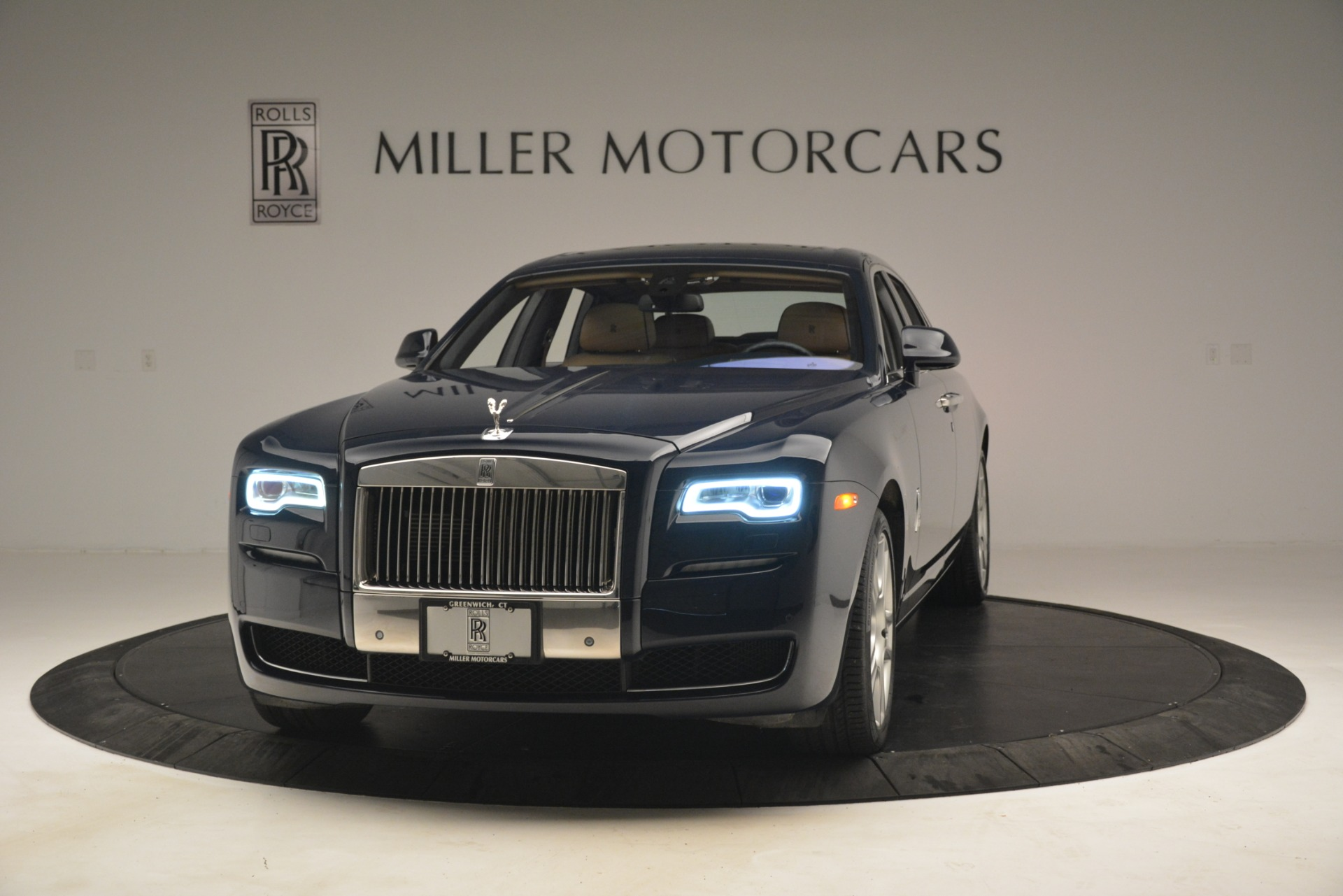 Used 2015 Rolls-Royce Ghost  For Sale In Greenwich, CT 3113_main