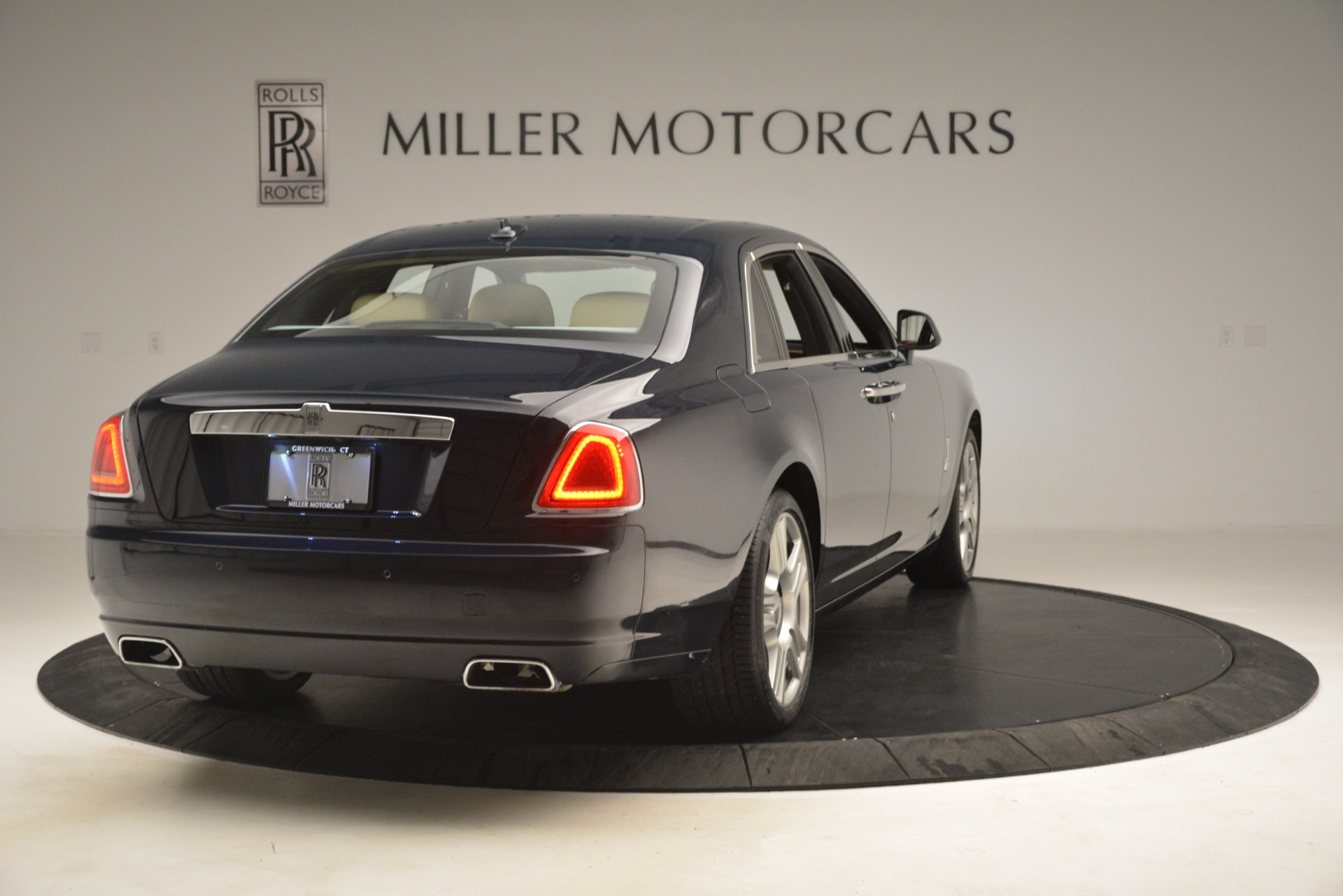 Used 2015 Rolls-Royce Ghost  For Sale In Greenwich, CT 3113_p10