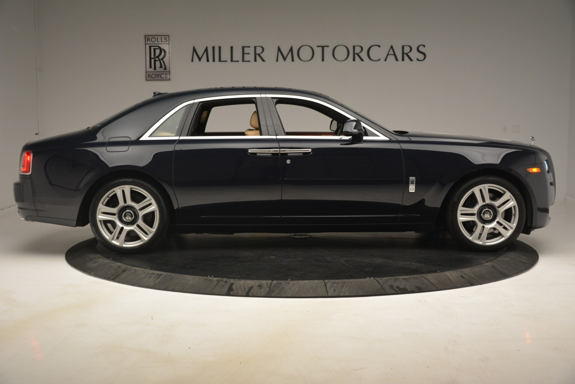 Used 2015 Rolls-Royce Ghost  For Sale In Greenwich, CT 3113_p12