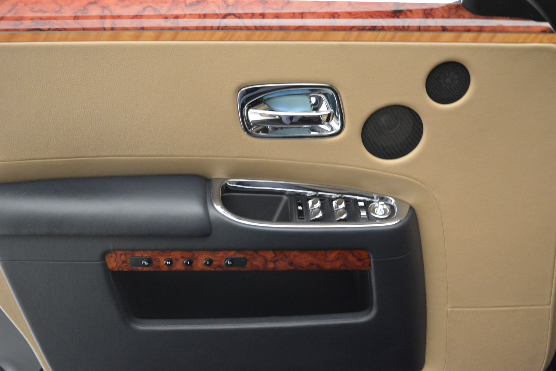 Used 2015 Rolls-Royce Ghost  For Sale In Greenwich, CT 3113_p24