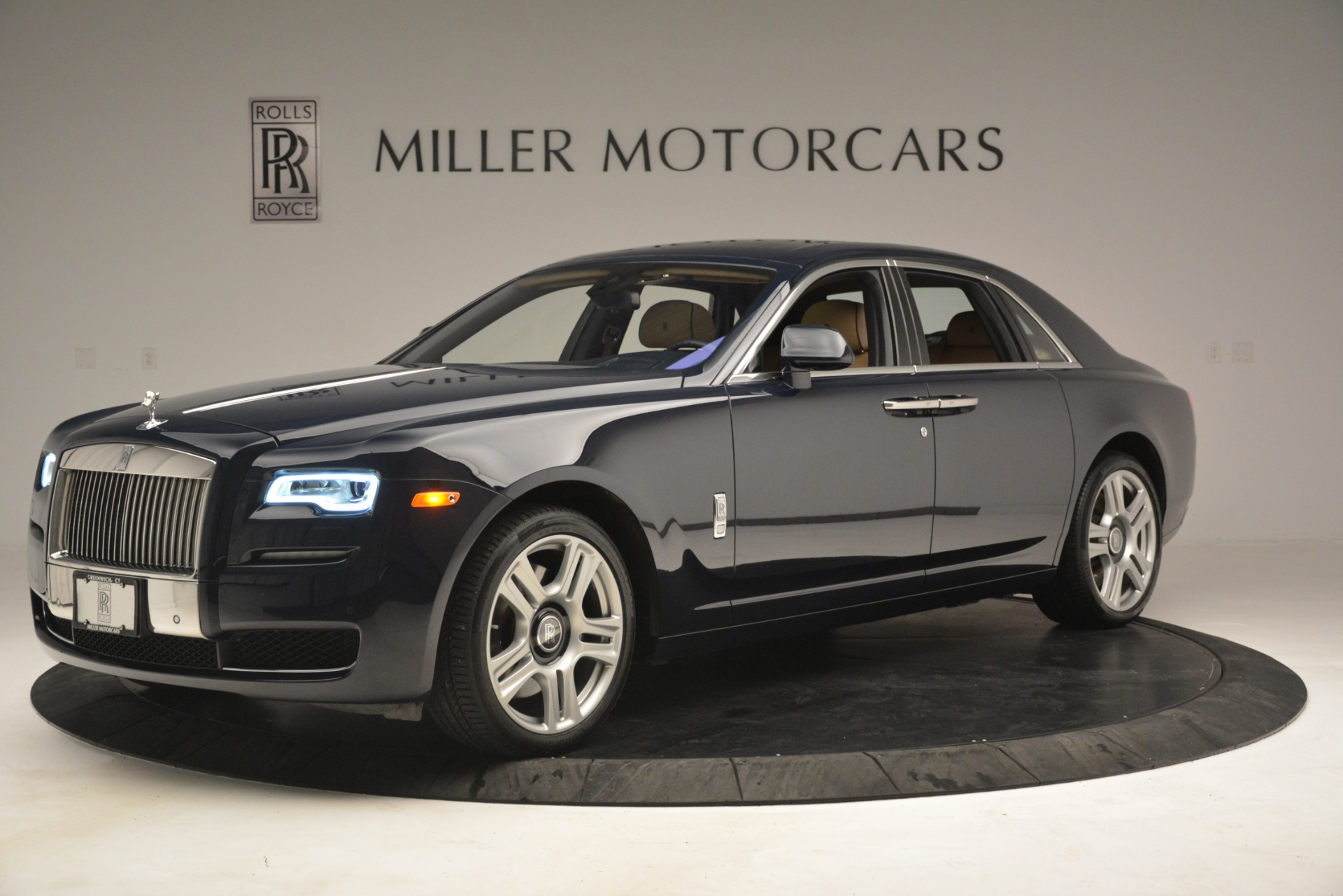 Used 2015 Rolls-Royce Ghost  For Sale In Greenwich, CT 3113_p4