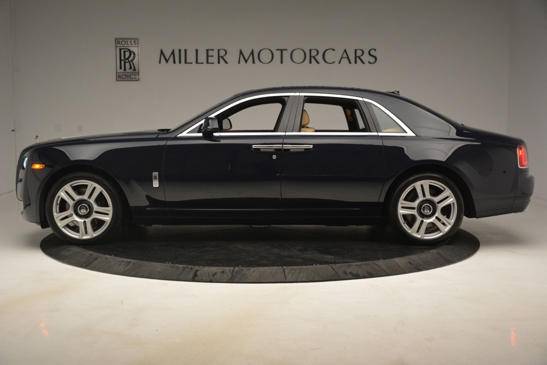 Used 2015 Rolls-Royce Ghost  For Sale In Greenwich, CT 3113_p5