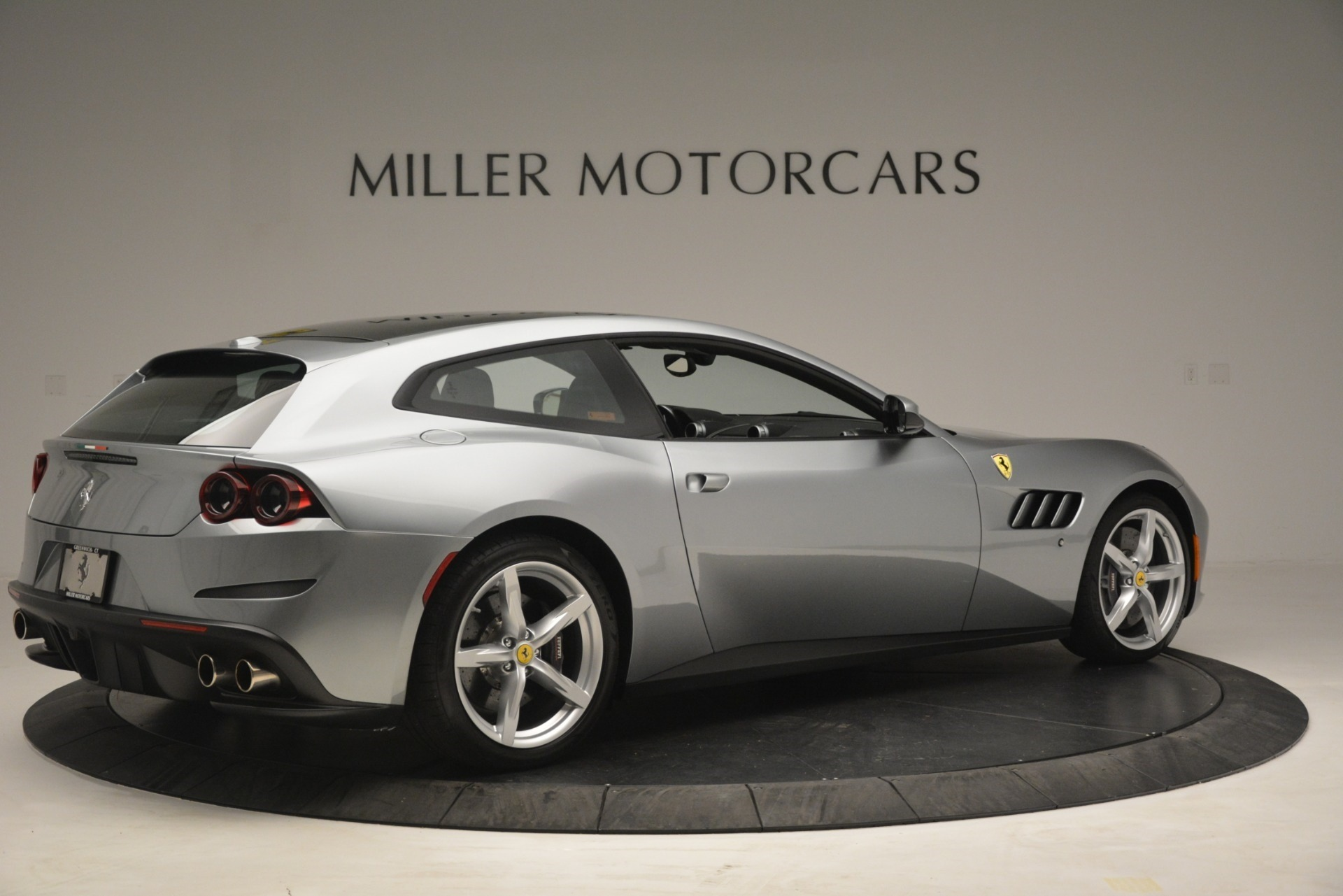 Used 2017 Ferrari GTC4Lusso  For Sale In Greenwich, CT 3119_p8