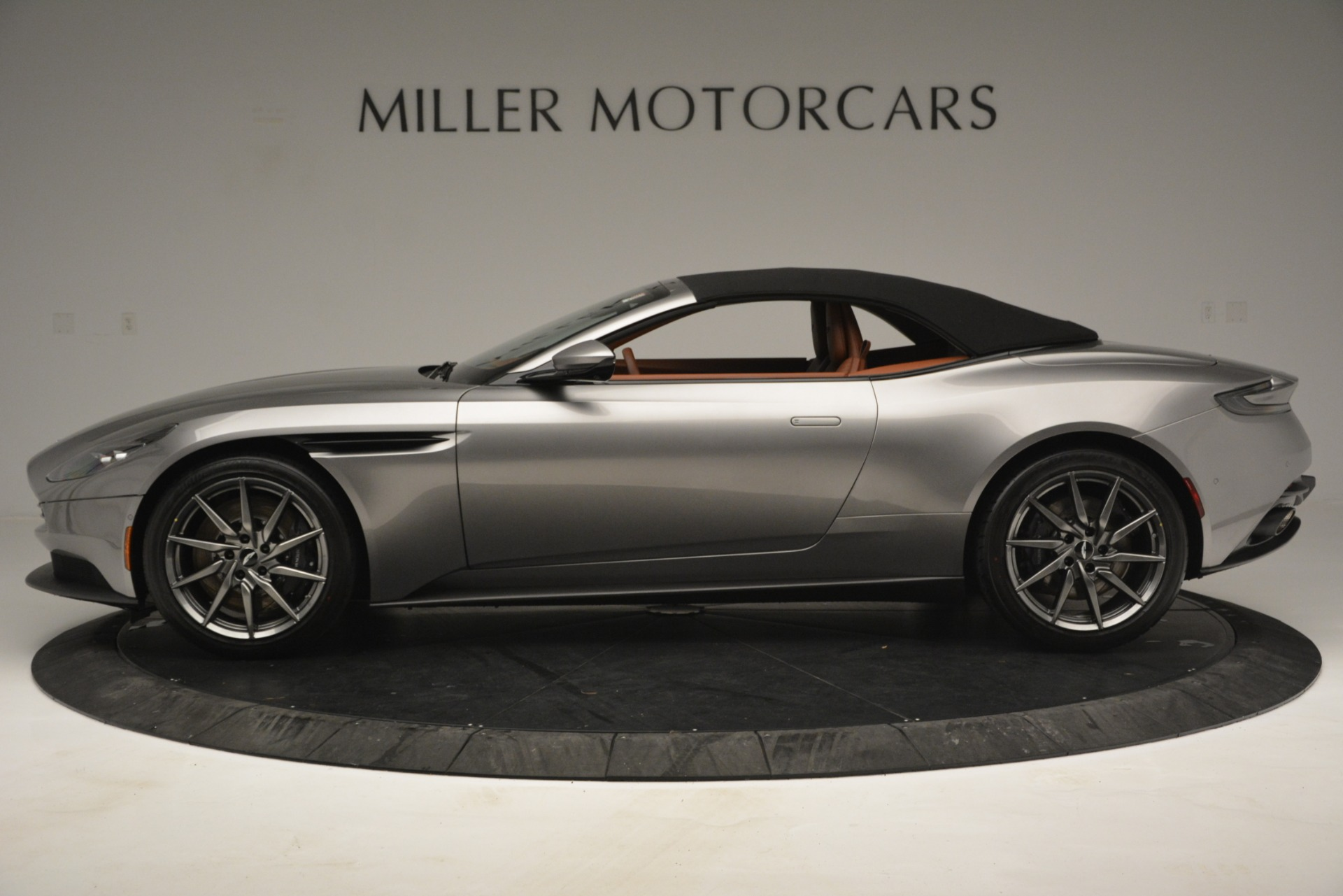 New 2019 Aston Martin DB11 V8 Convertible For Sale In Greenwich, CT 3121_p14