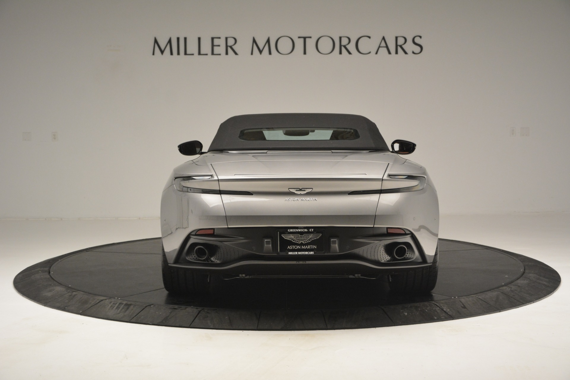 New 2019 Aston Martin DB11 V8 Convertible For Sale In Greenwich, CT 3121_p17