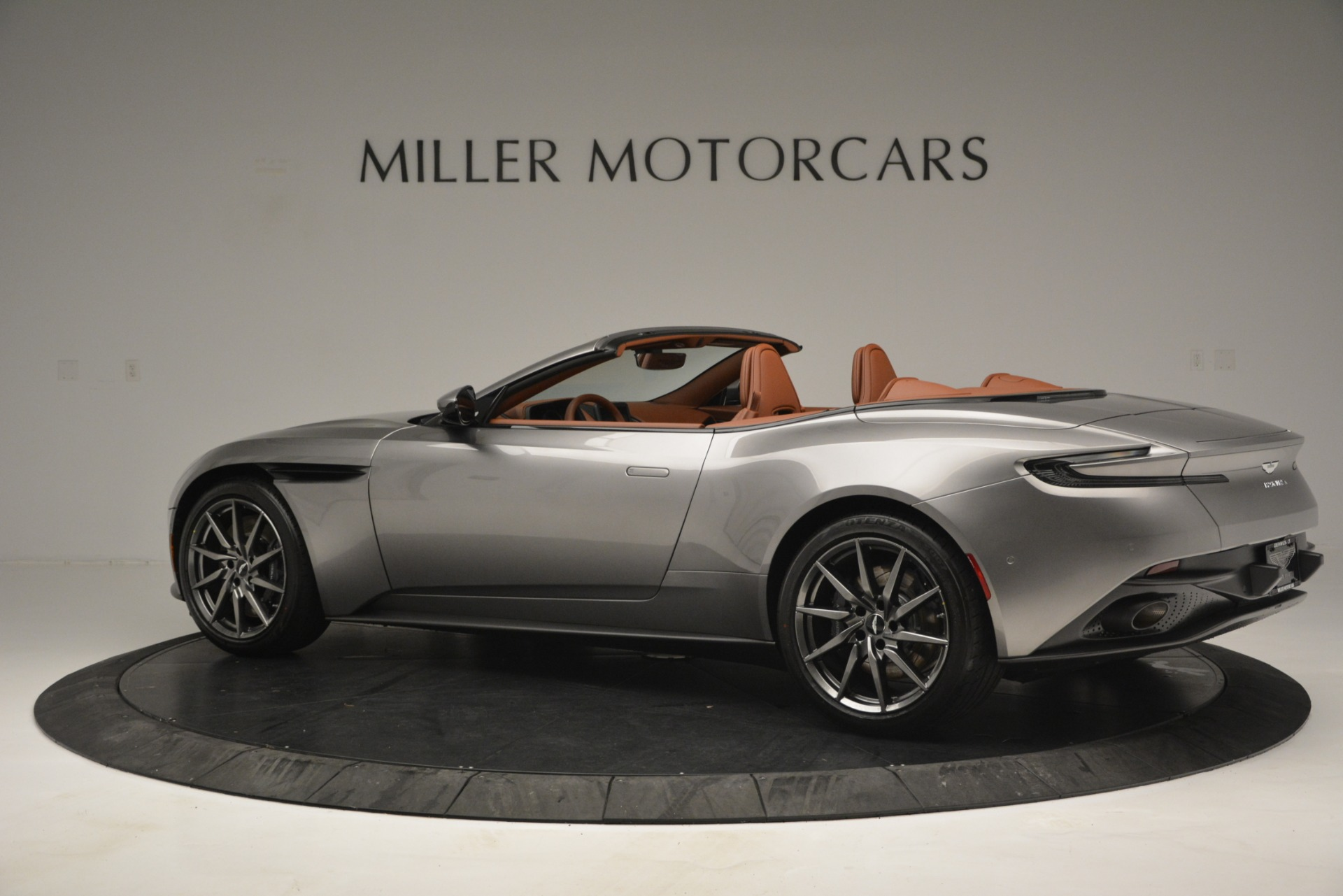 New 2019 Aston Martin DB11 V8 Convertible For Sale In Greenwich, CT 3121_p4
