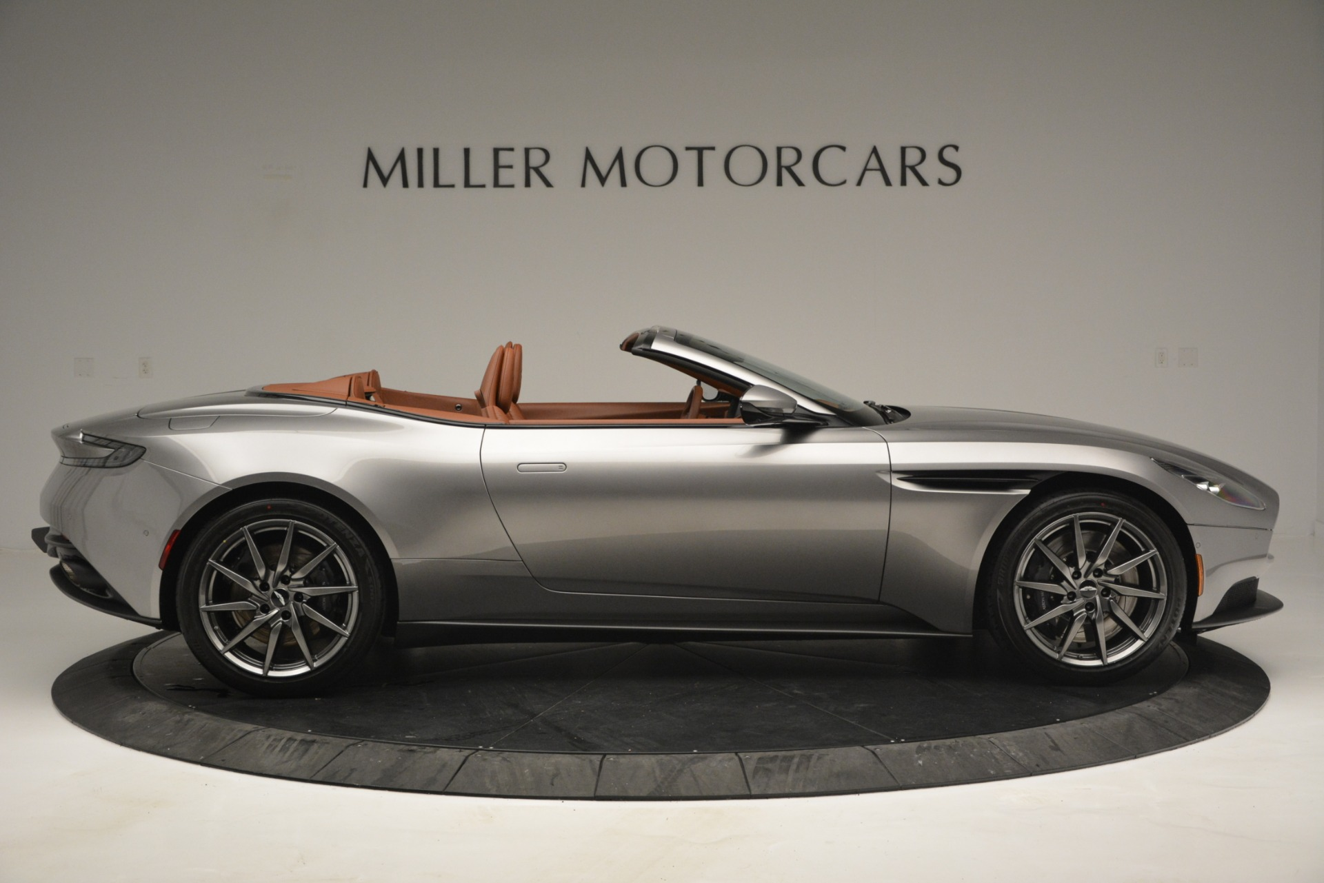 New 2019 Aston Martin DB11 V8 Convertible For Sale In Greenwich, CT 3121_p9