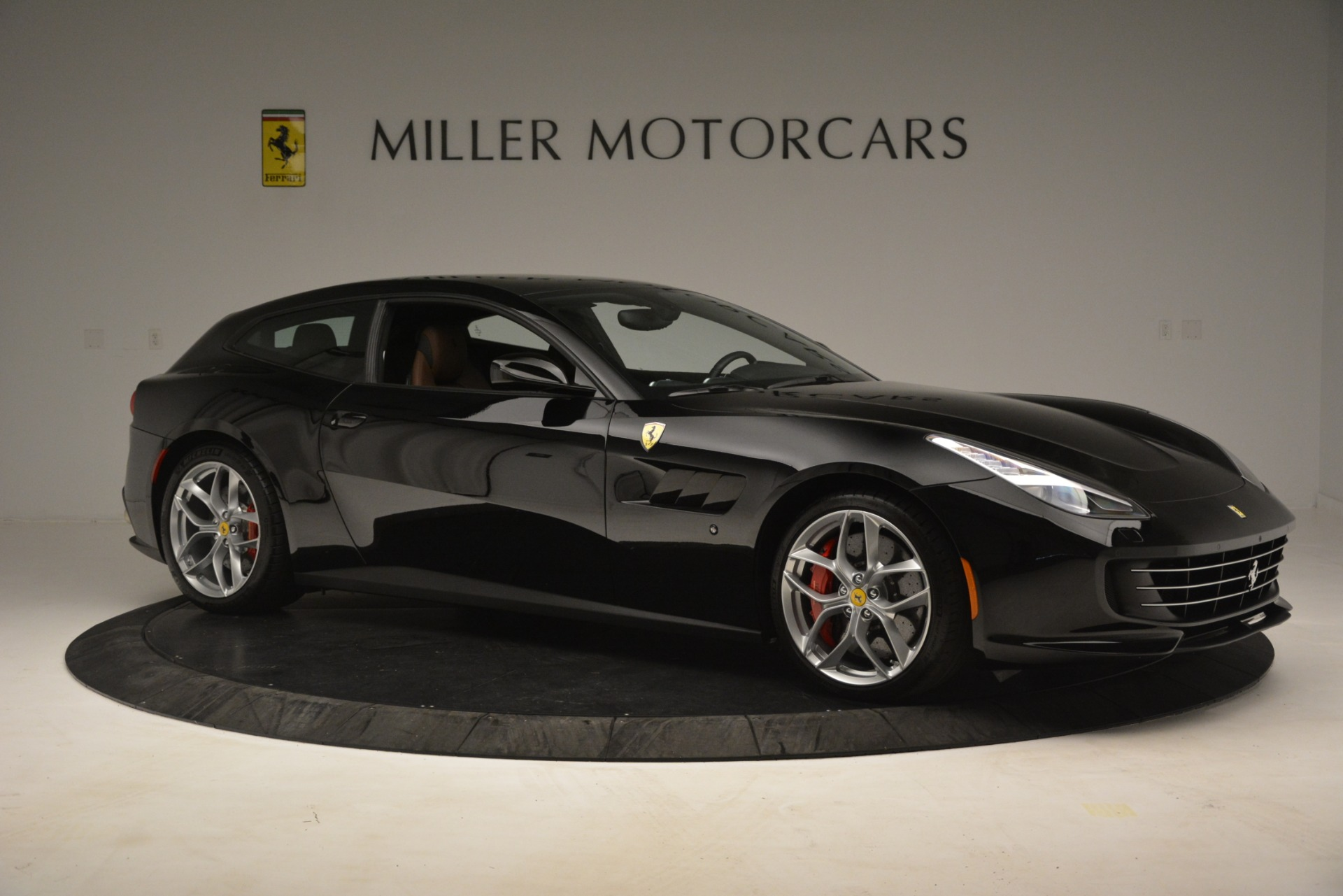 Used 2018 Ferrari GTC4Lusso T  For Sale In Greenwich, CT 3125_p10