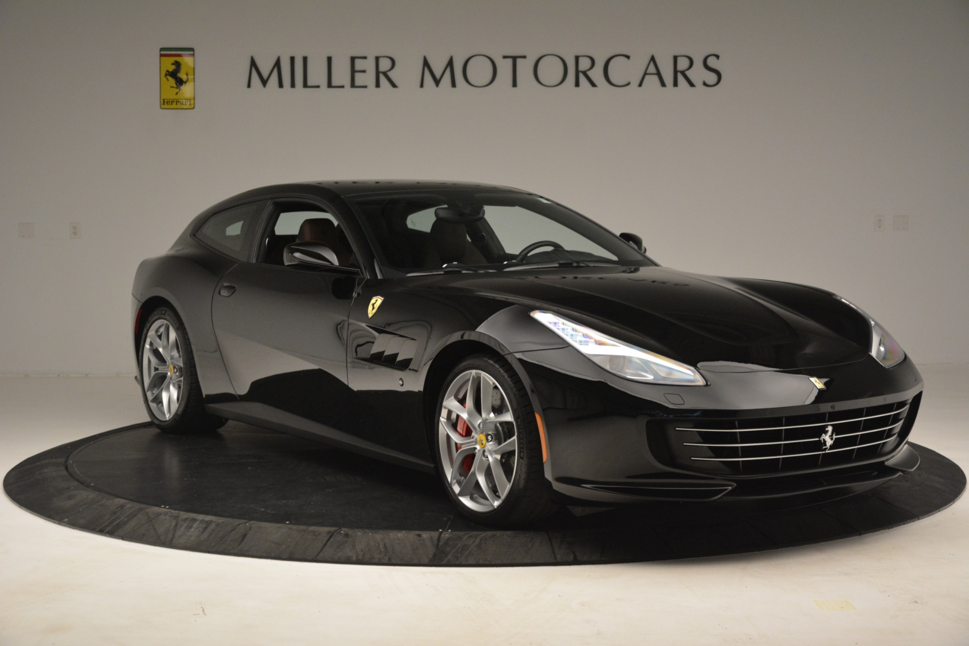 Used 2018 Ferrari GTC4Lusso T  For Sale In Greenwich, CT 3125_p11