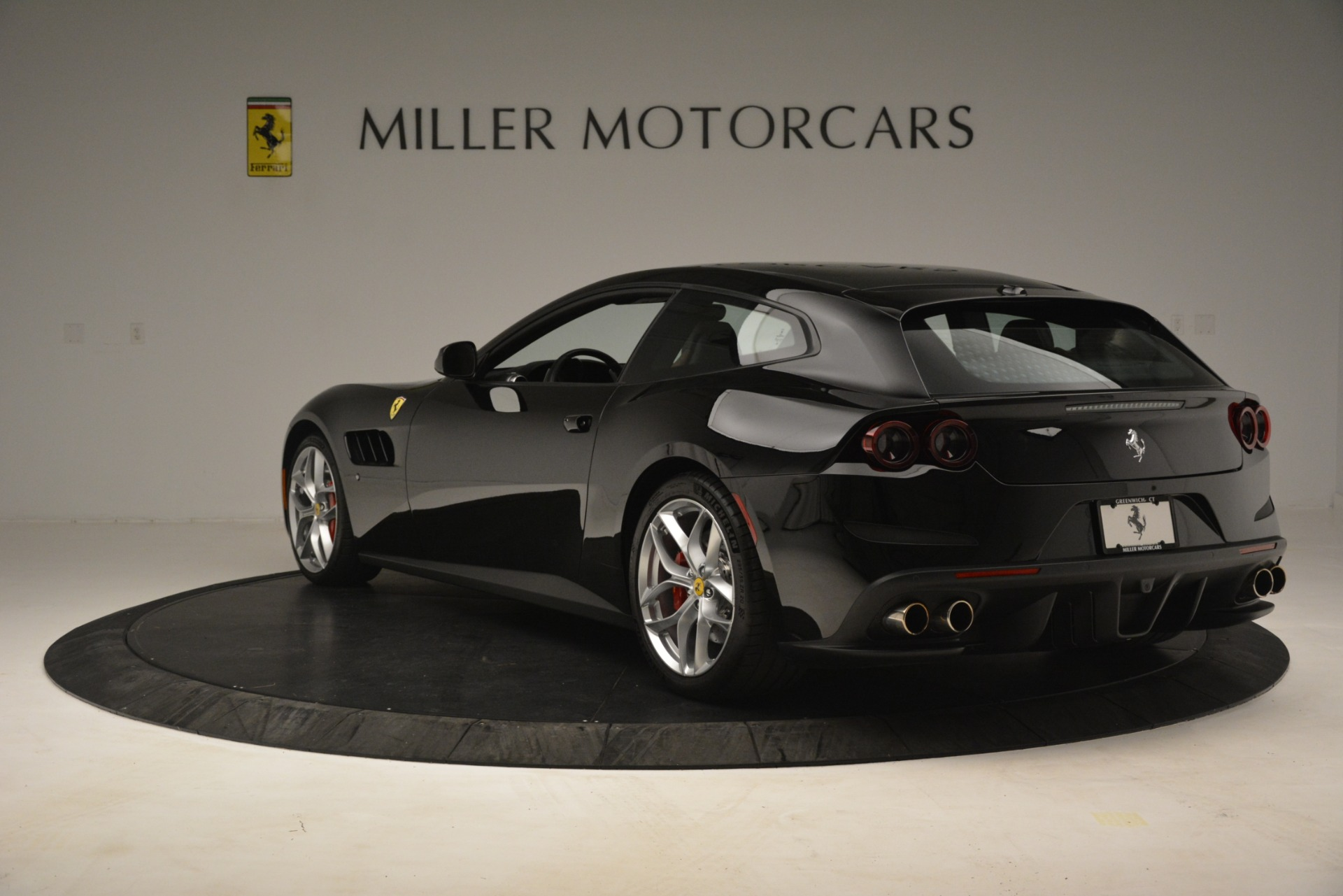 Used 2018 Ferrari GTC4Lusso T  For Sale In Greenwich, CT 3125_p5
