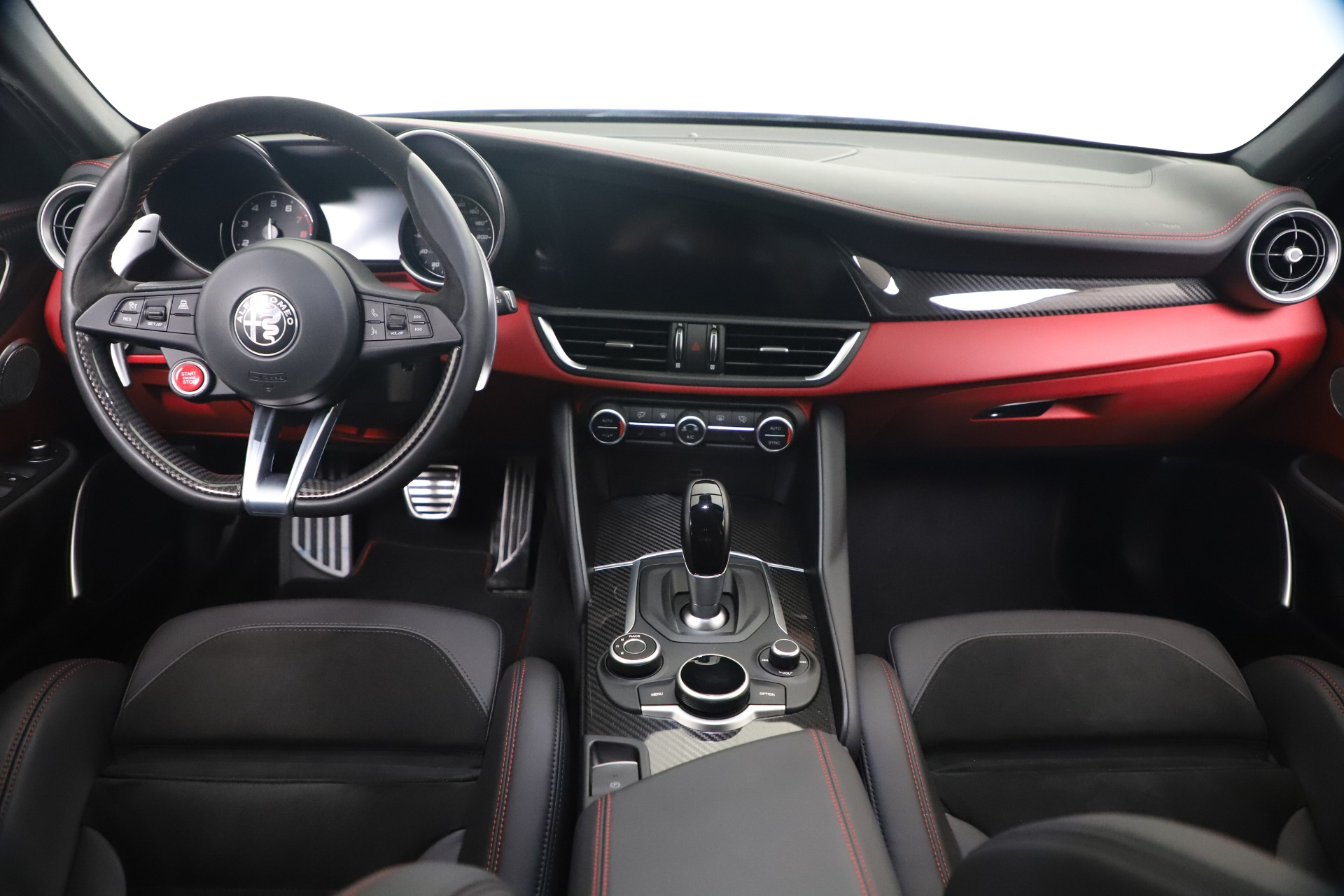New 2019 Alfa Romeo Giulia Quadrifoglio For Sale In Greenwich, CT 3130_p16