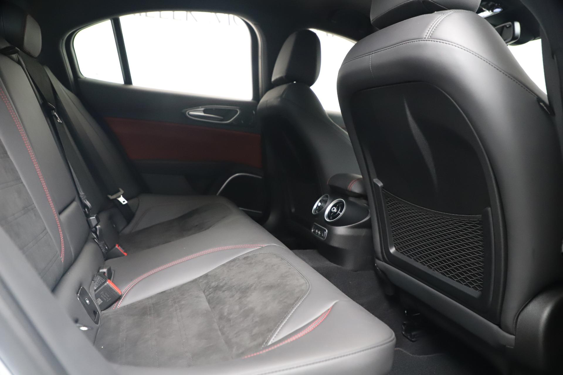 New 2019 Alfa Romeo Giulia Quadrifoglio For Sale In Greenwich, CT 3130_p27