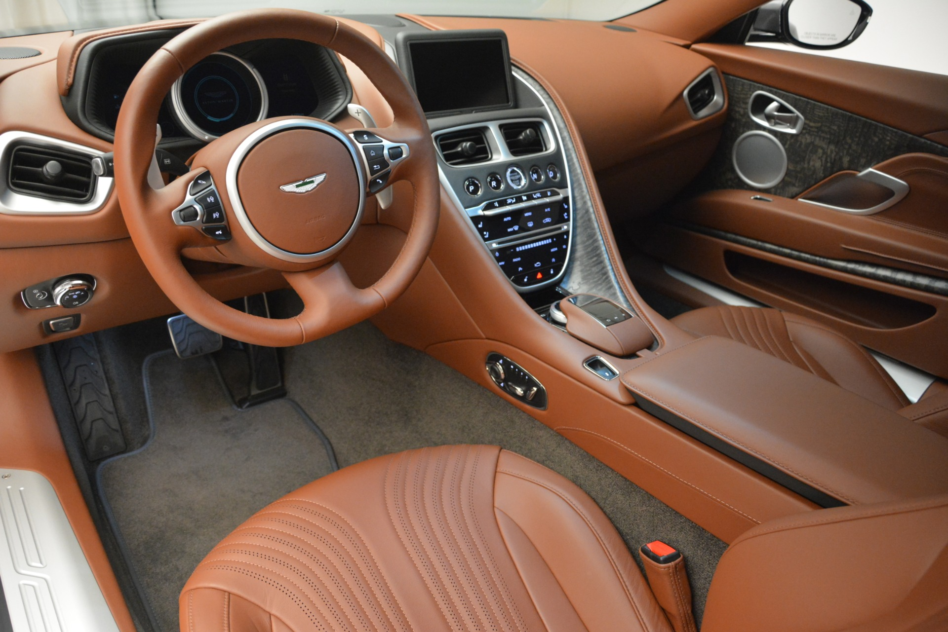 New 2019 Aston Martin DB11 V8 For Sale In Greenwich, CT 3134_p14