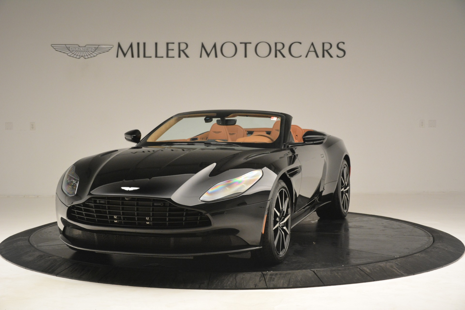 New 2019 Aston Martin DB11 V8 Convertible For Sale In Greenwich, CT 3135_main