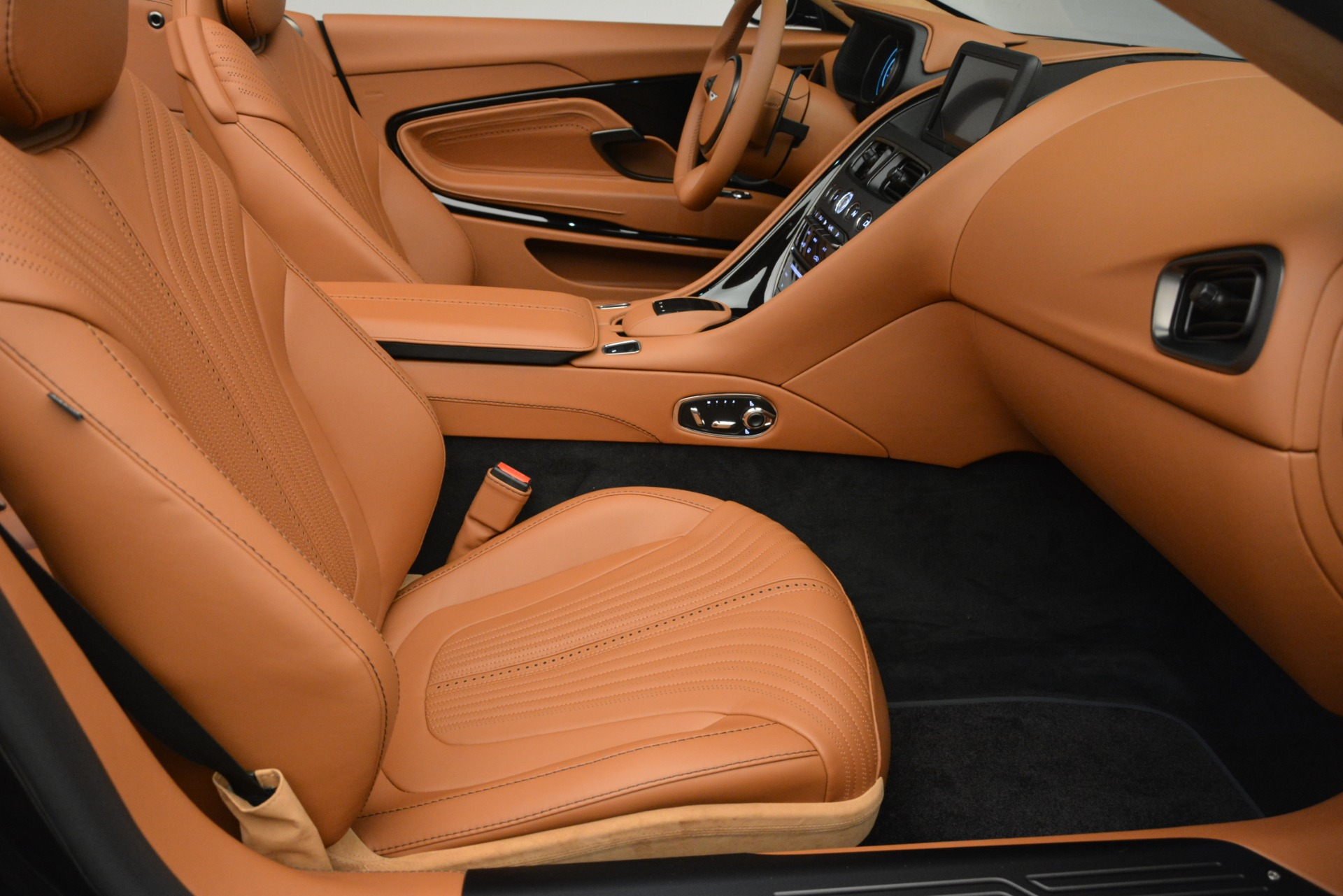 New 2019 Aston Martin DB11 V8 Convertible For Sale In Greenwich, CT 3135_p25