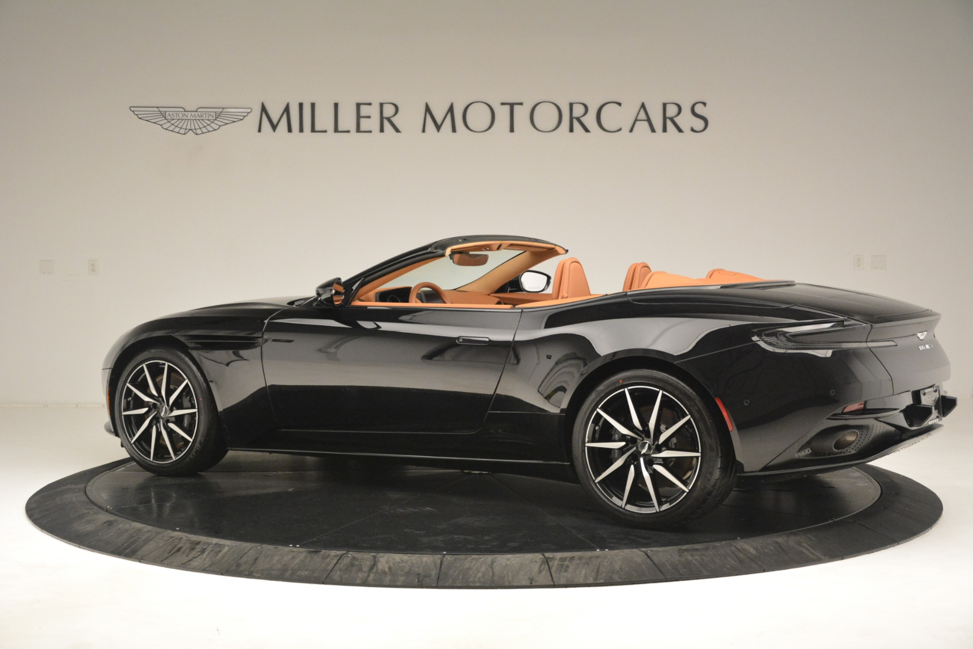 New 2019 Aston Martin DB11 V8 Convertible For Sale In Greenwich, CT 3135_p4