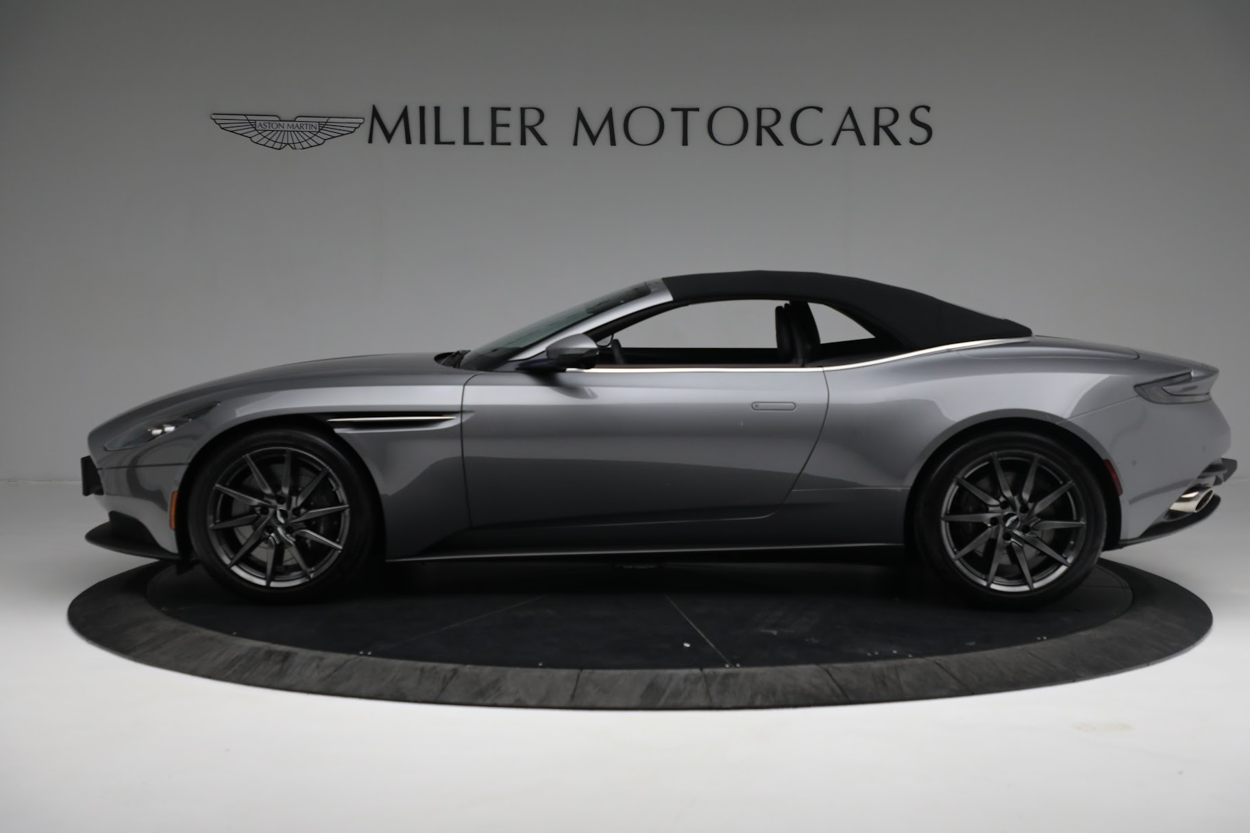 New 2019 Aston Martin DB11 V8 Convertible For Sale In Greenwich, CT 3136_p14
