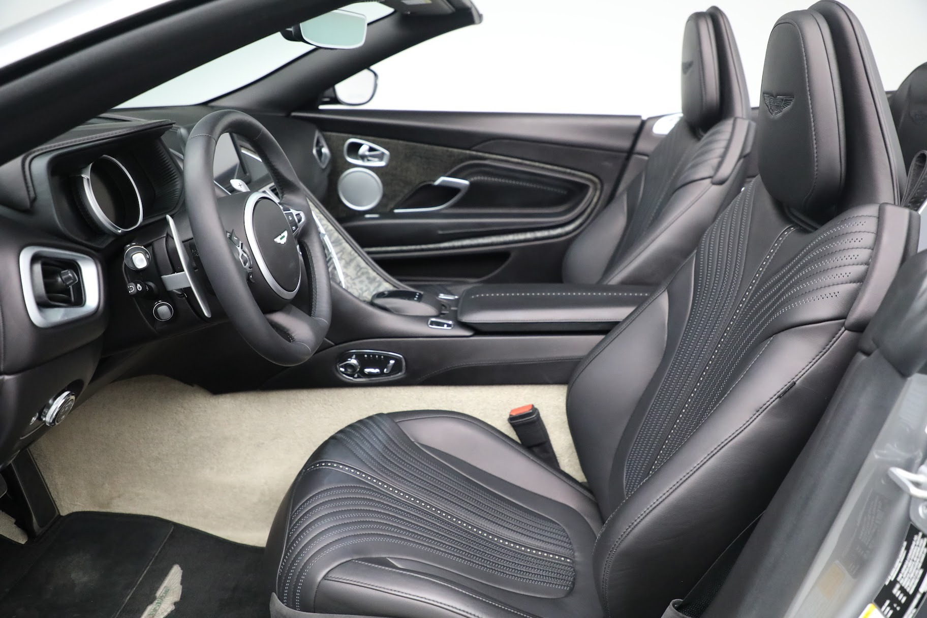 New 2019 Aston Martin DB11 V8 Convertible For Sale In Greenwich, CT 3136_p18