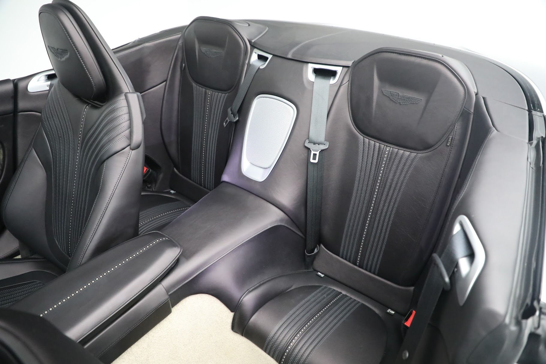 New 2019 Aston Martin DB11 V8 Convertible For Sale In Greenwich, CT 3136_p21